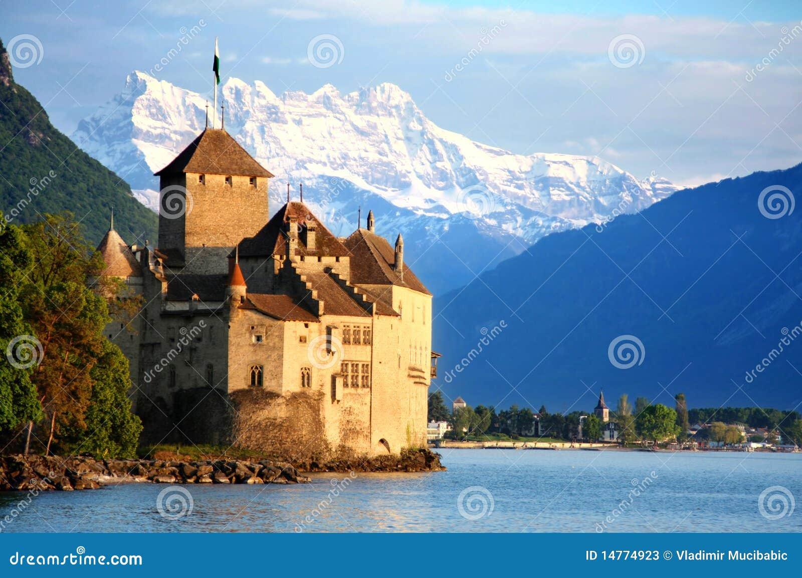 Het Kasteel Chillon In Montreux, Zwitserland Stock Foto u0026#39;s   Afbeelding  14774923