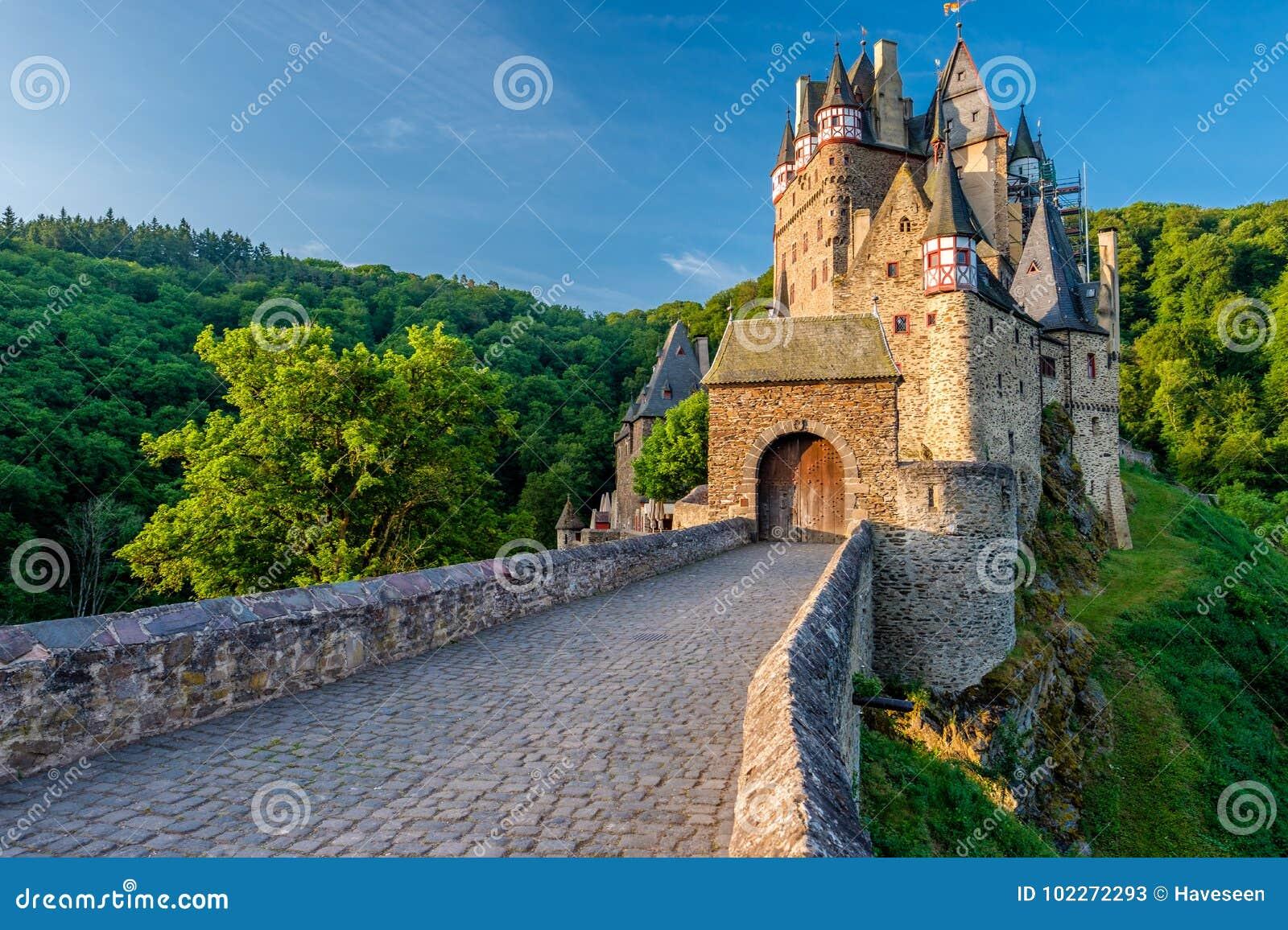 Het kasteel van Burgeltz in Rijnland-Palatinaat, Duitsland