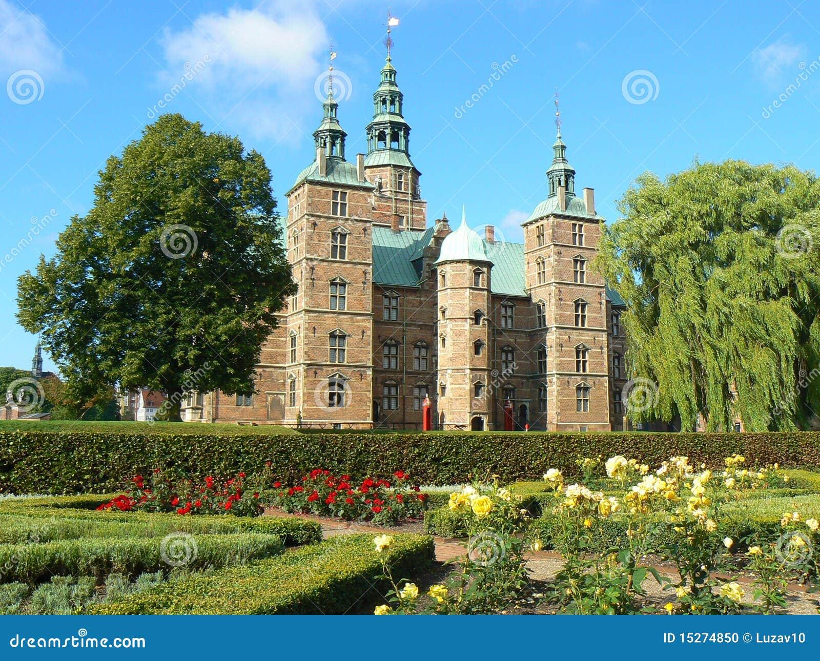 Het Kasteel Van Rosenborg In Kopenhagen Stock Foto   Afbeelding  15274850