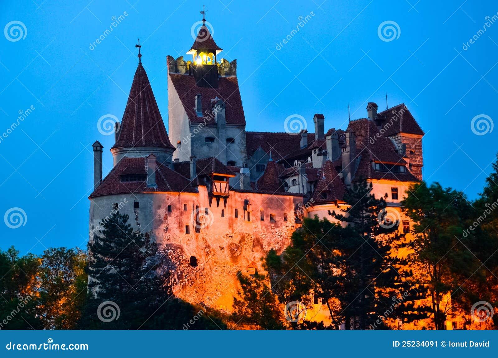 Het Kasteel Van Zemelen   Het Kasteel Van Dracula Van De Telling, Roemeni u00eb Stock Afbeelding