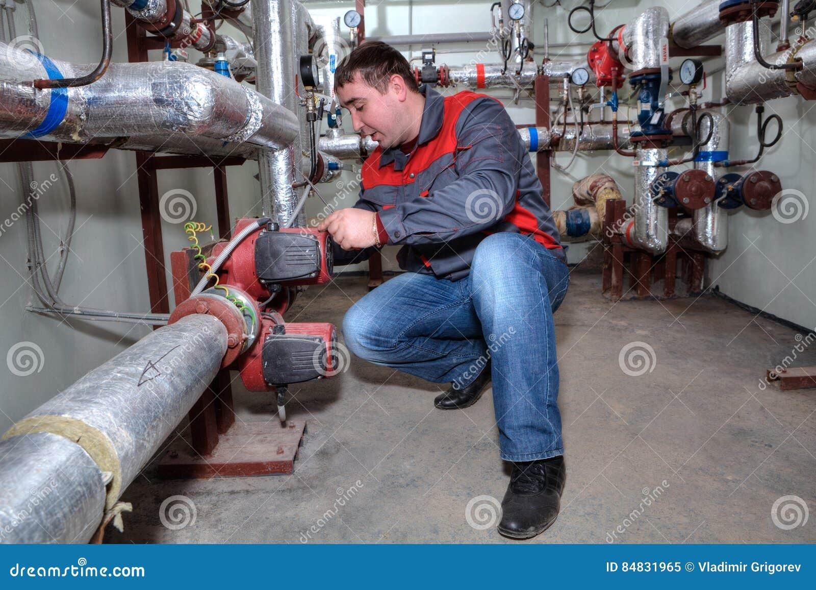 Het Ketelruim van loodgieterinstalling heating system