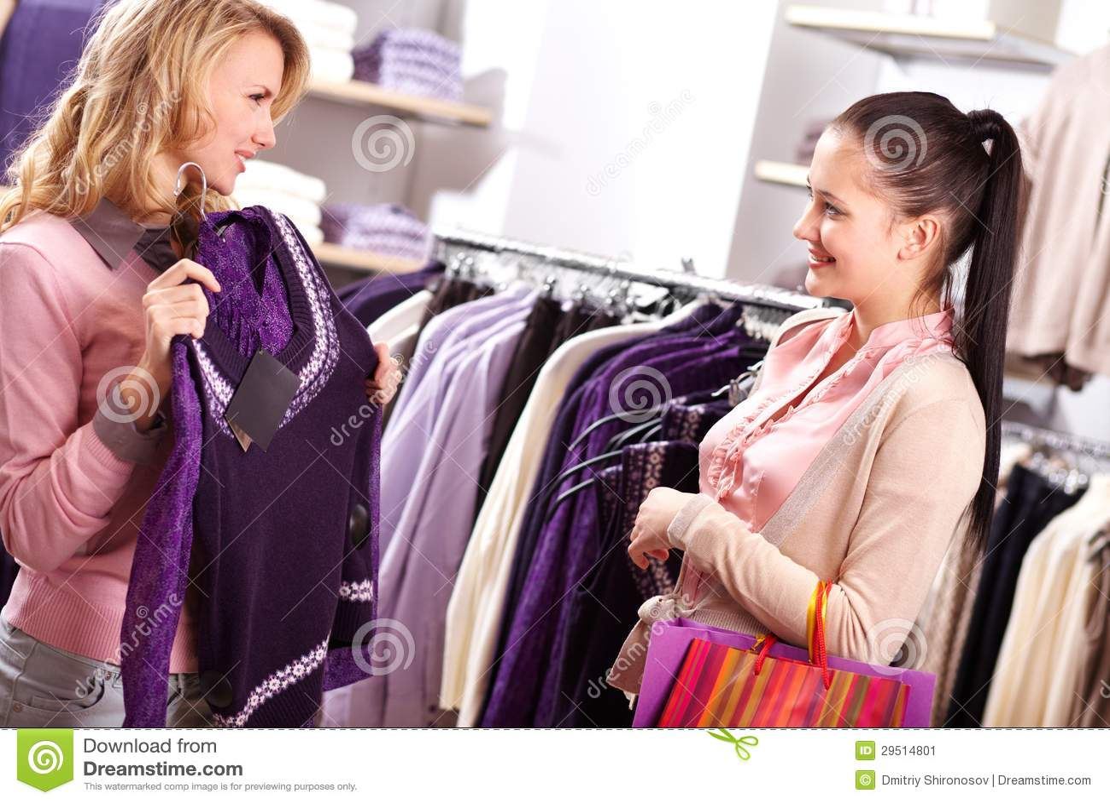 Het kiezen van nieuwe sweater