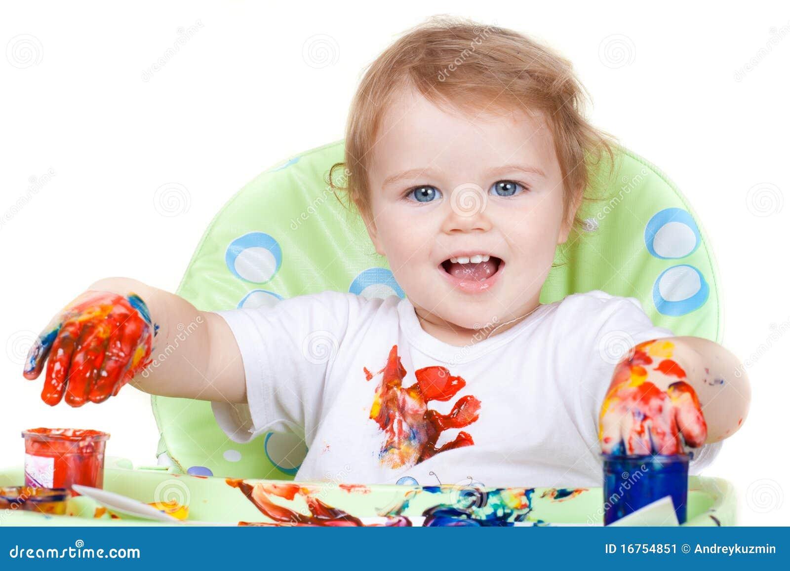 Het kind van de baby cre rt kunstbeeld met verven - Schilderen kind jongen ...