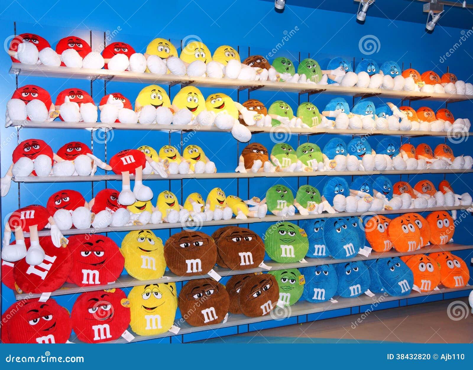 Het kleurrijke zachte speelgoed van m m redactionele afbeelding afbeelding 38432820 - Het upgraden van m ...
