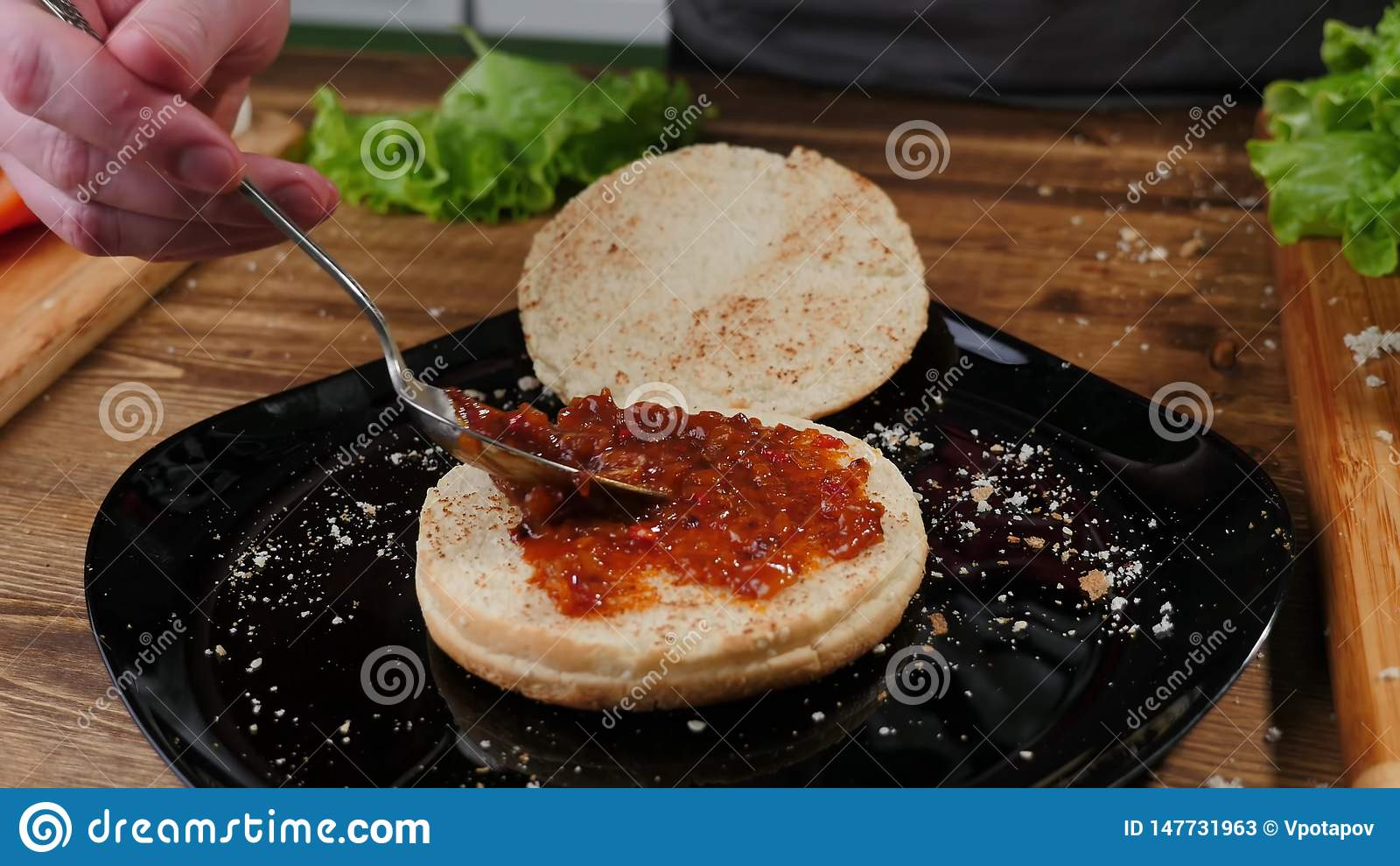 Het koken burgers het proces om huis-hamburger te maken