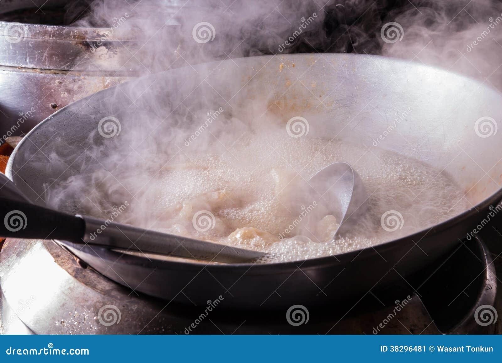Het koken water het koken stock afbeelding afbeelding bestaande uit hitte 38296481 - Koken afbeelding ...