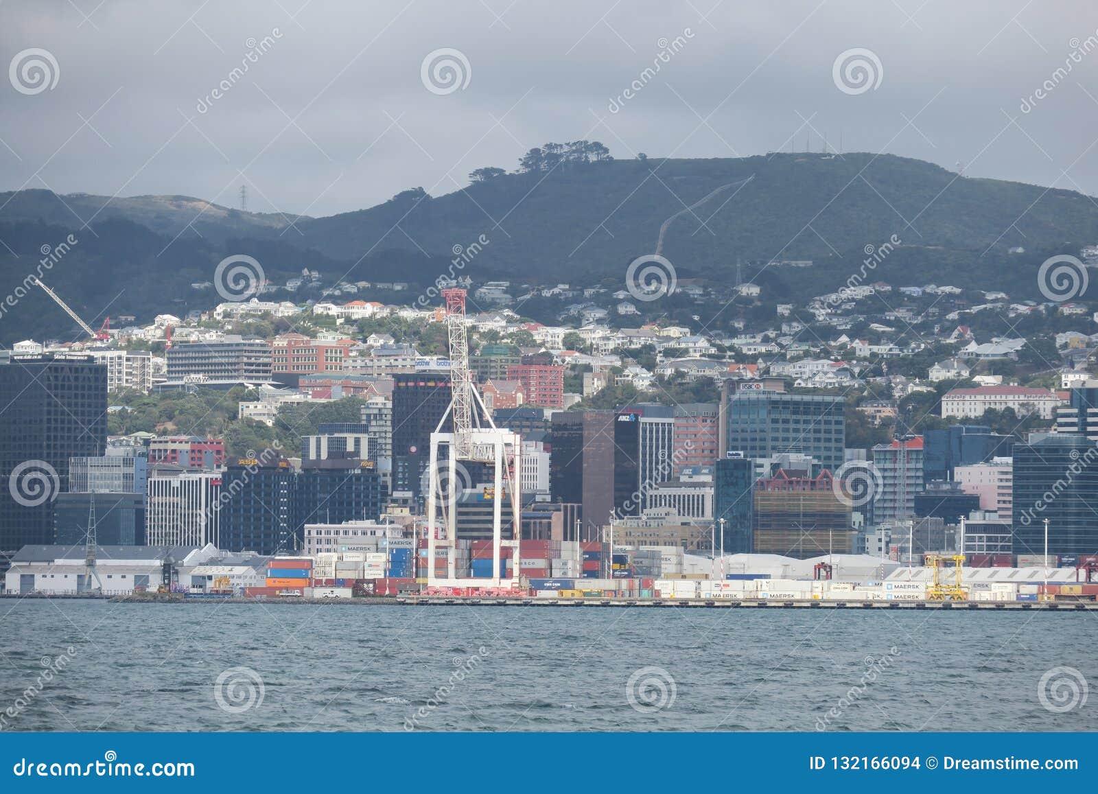 Het komen van in Wellington door boot Ergens in Nieuw Zeeland