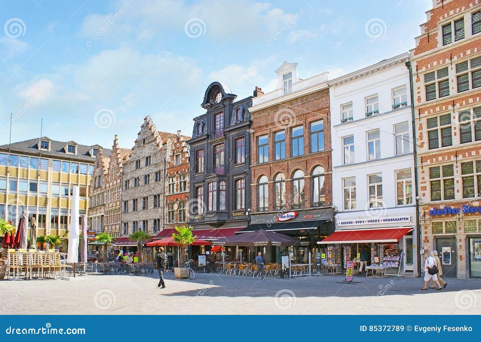 Het Korenmarkt-Vierkant in Gent