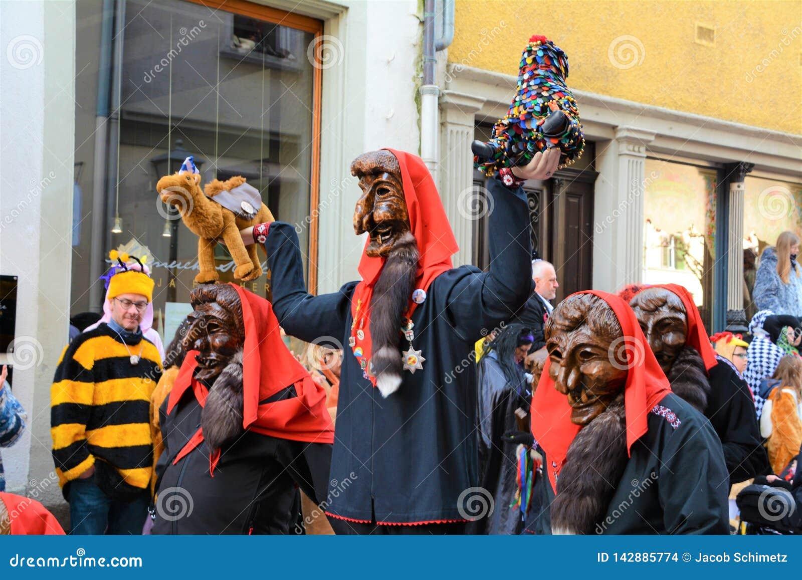 Het Kostuum van Konstanz Fasnacht Imperia