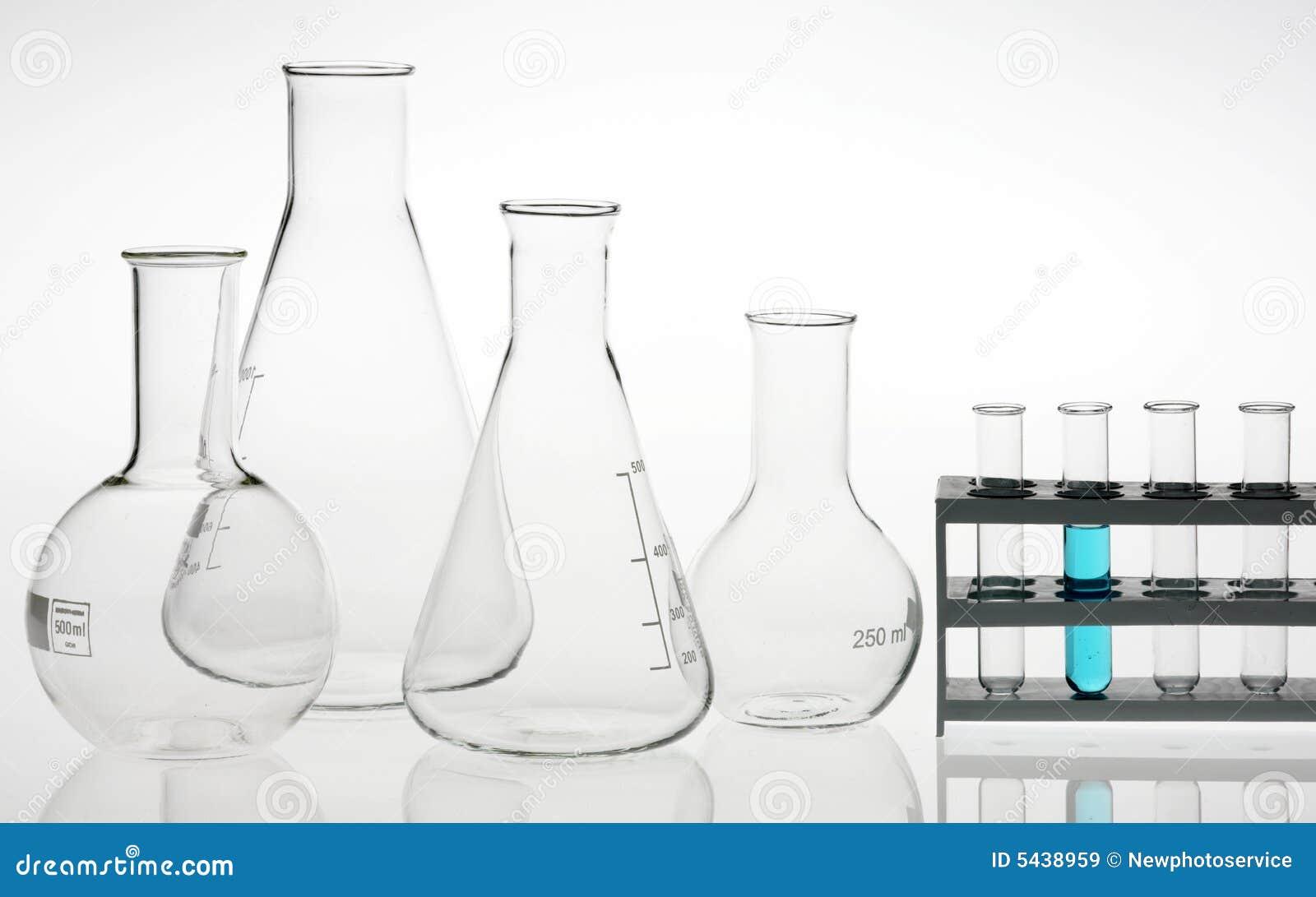 Het laboratorium geassorteerd glaswerk van het onderzoek
