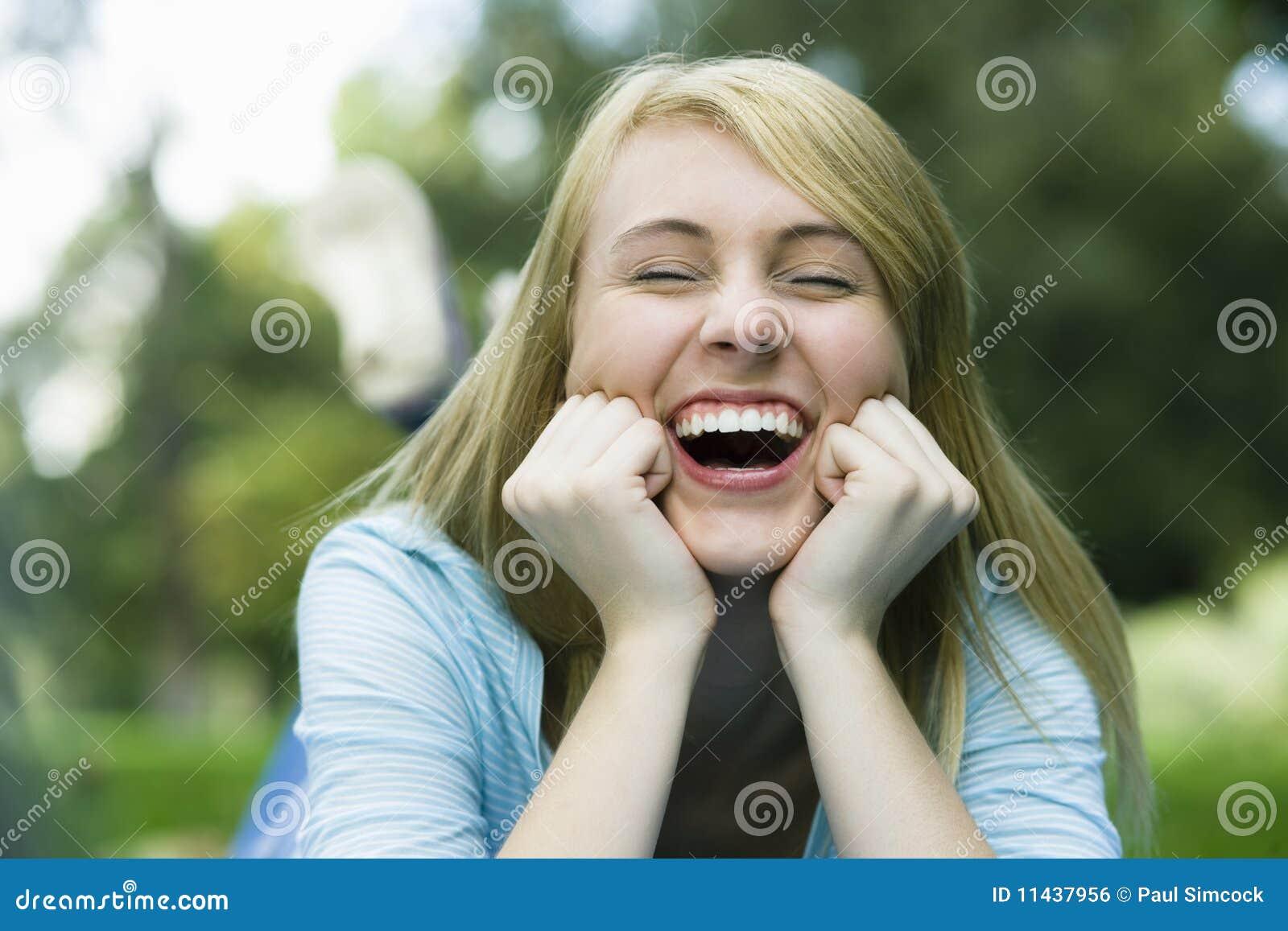 Het lachende meisje van de tiener stock foto afbeelding 11437956 - Tiener meisje foto ...