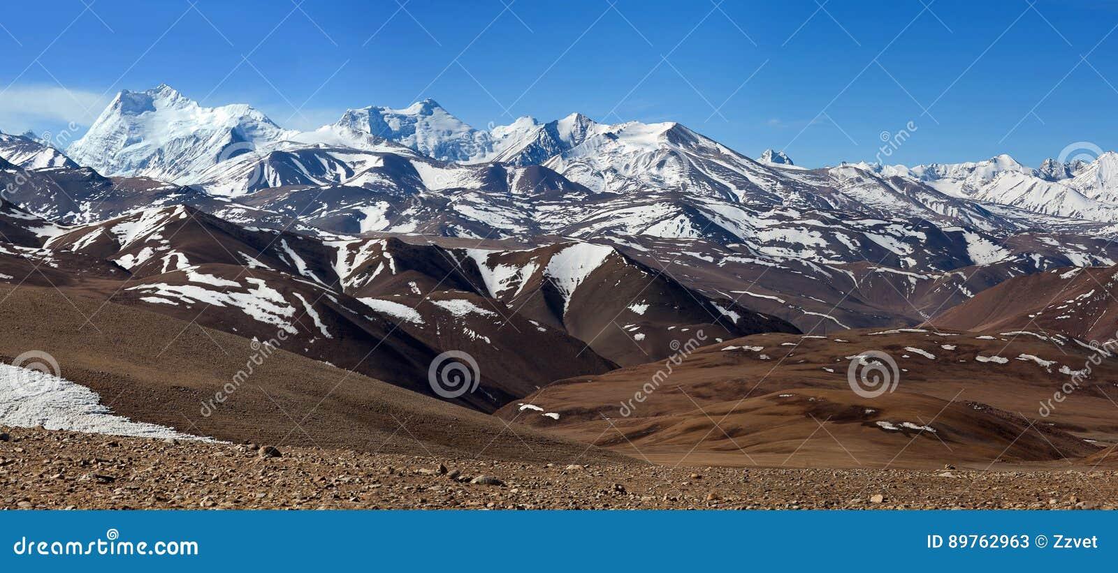 Het landschap van de Himalayanberg in Ngari-Prefectuur, Tibet, China