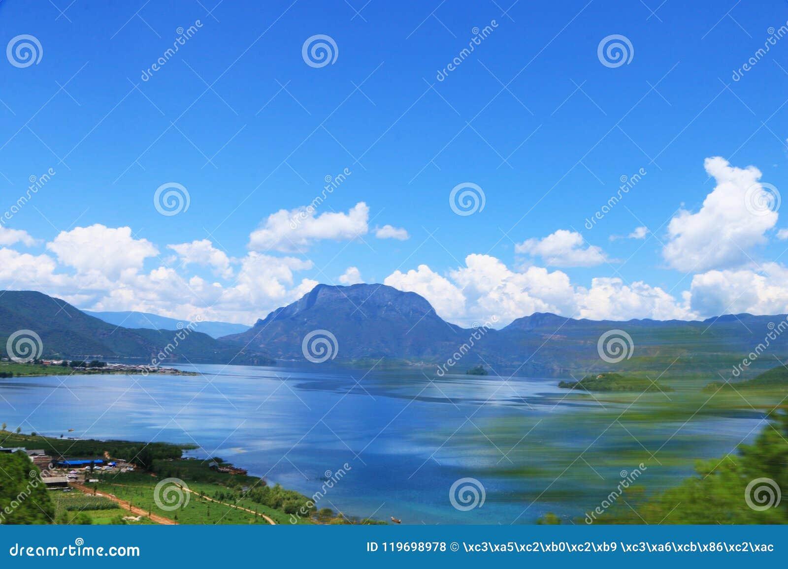 Het Landschap van het Meerdaloshui van Yunnanlijiang Lugu