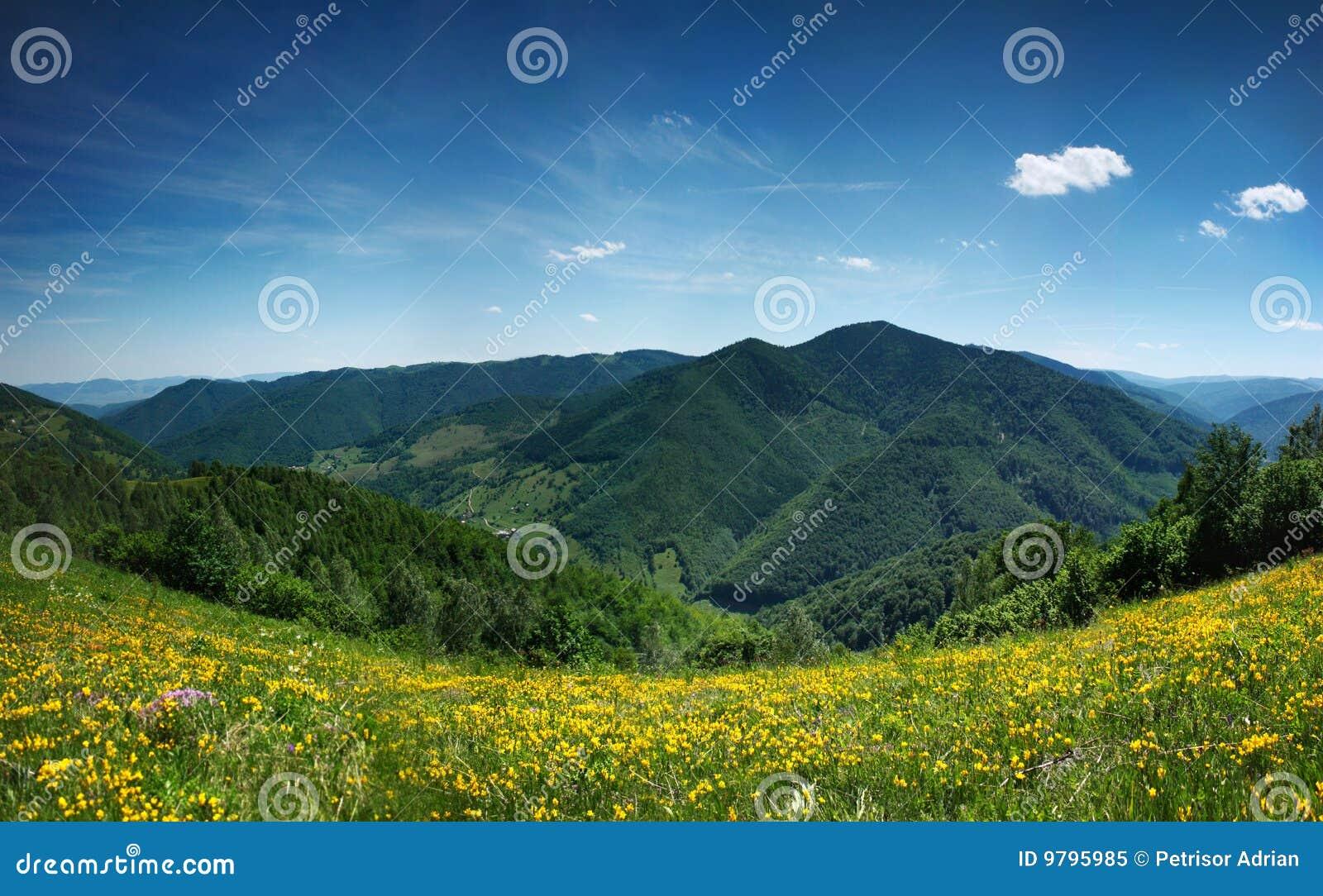 Het landschapspanorama van de berg, schoonheid van aard