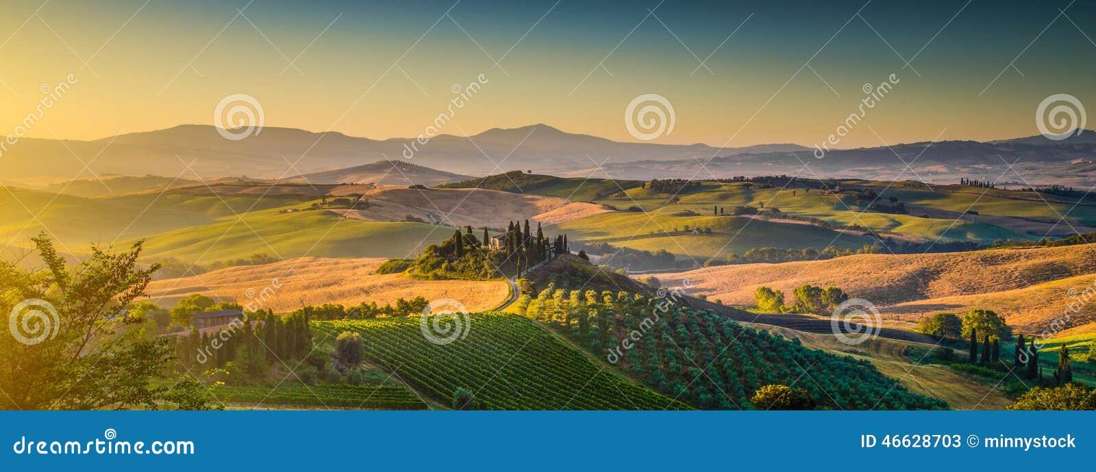 Het landschapspanorama van Toscanië bij zonsopgang, Val-dOrcia, Italië