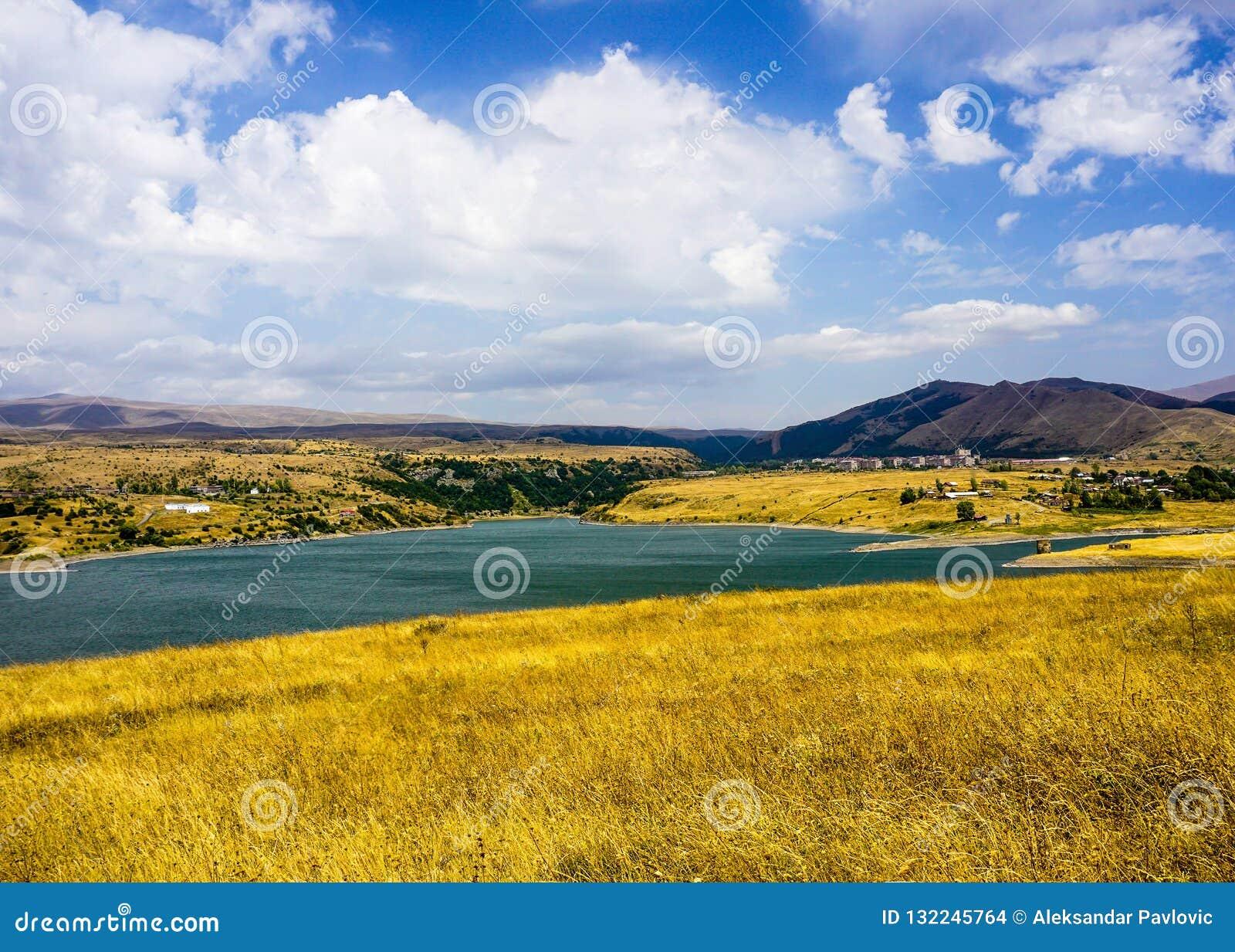 Het Landschapsweergeven van het Kechutreservoir
