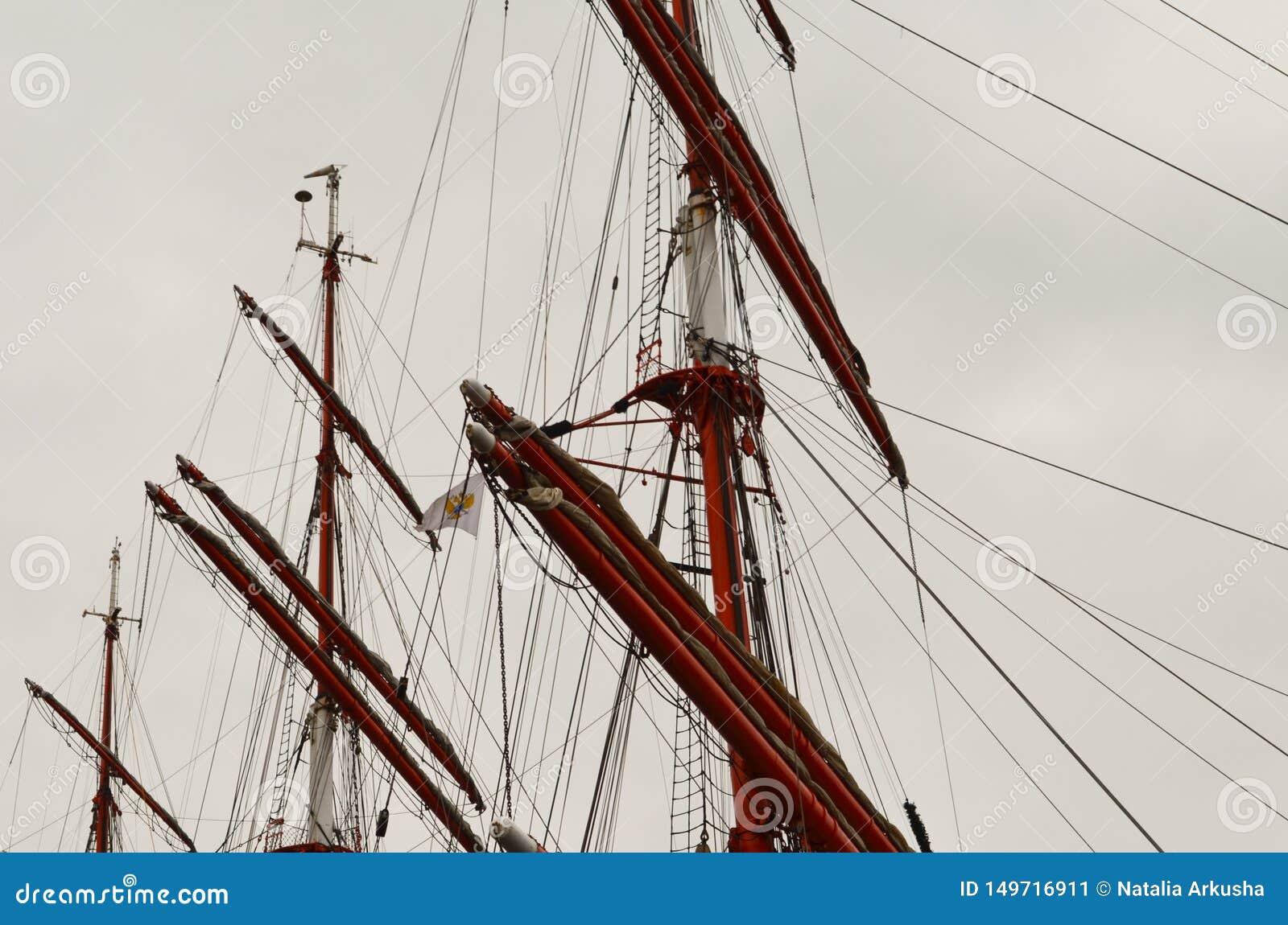 Het lange Varen Ship& x27; s Masten, Yardarms en Optuigen