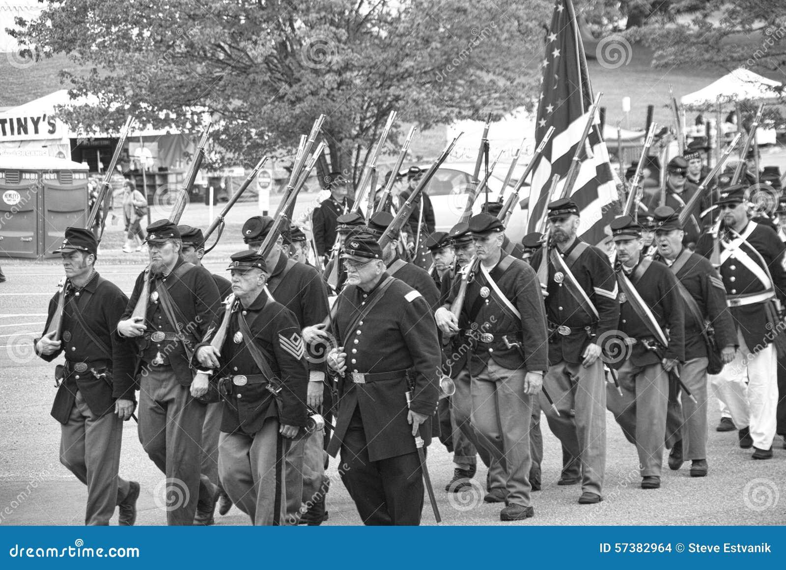 Het leger dat van de Unie aan slag marcheert