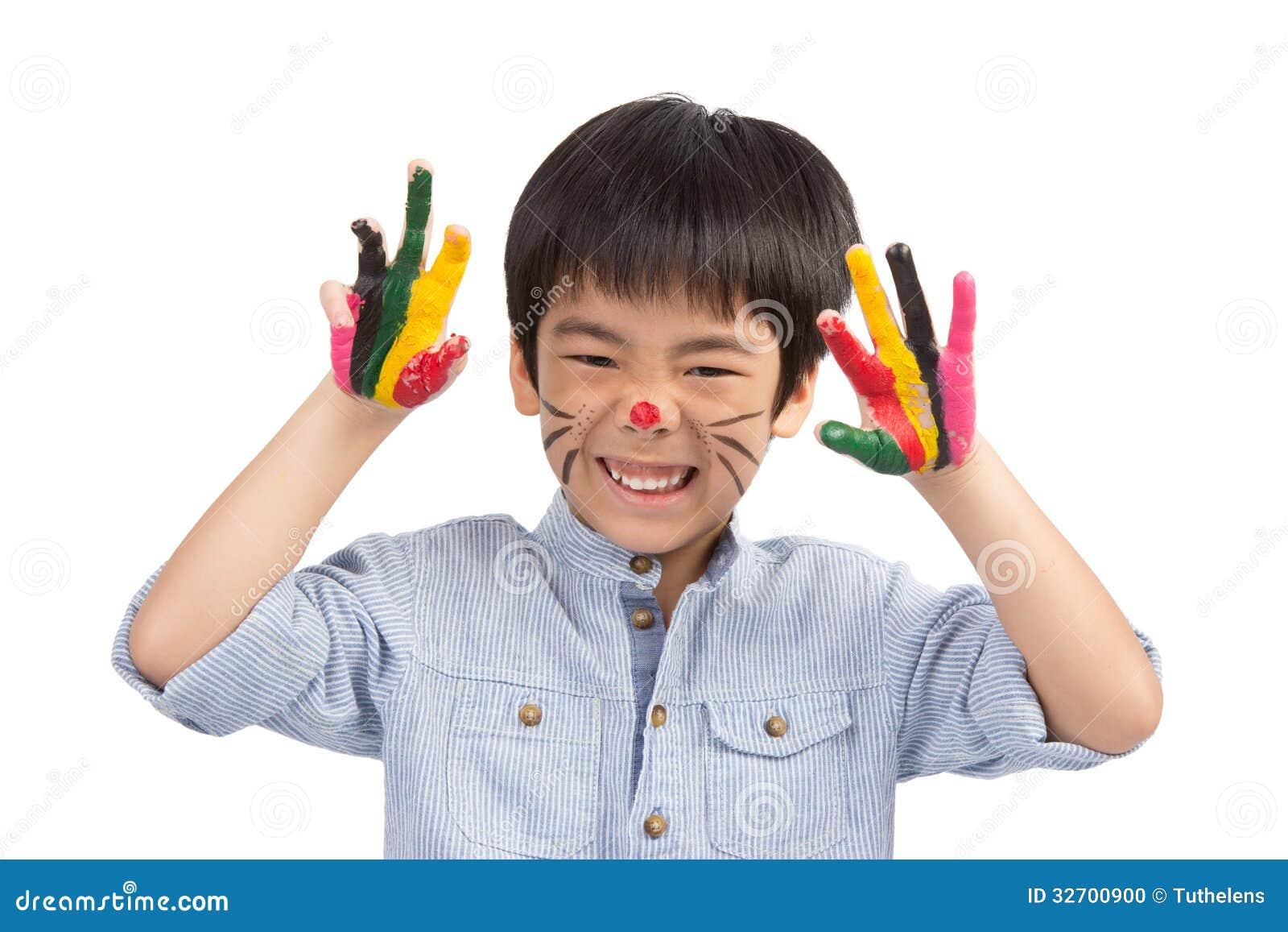 Het leuke jongen kleurrijke schilderen beweert als kat stock foto afbeelding 32700900 - Schilderen kind jongen ...