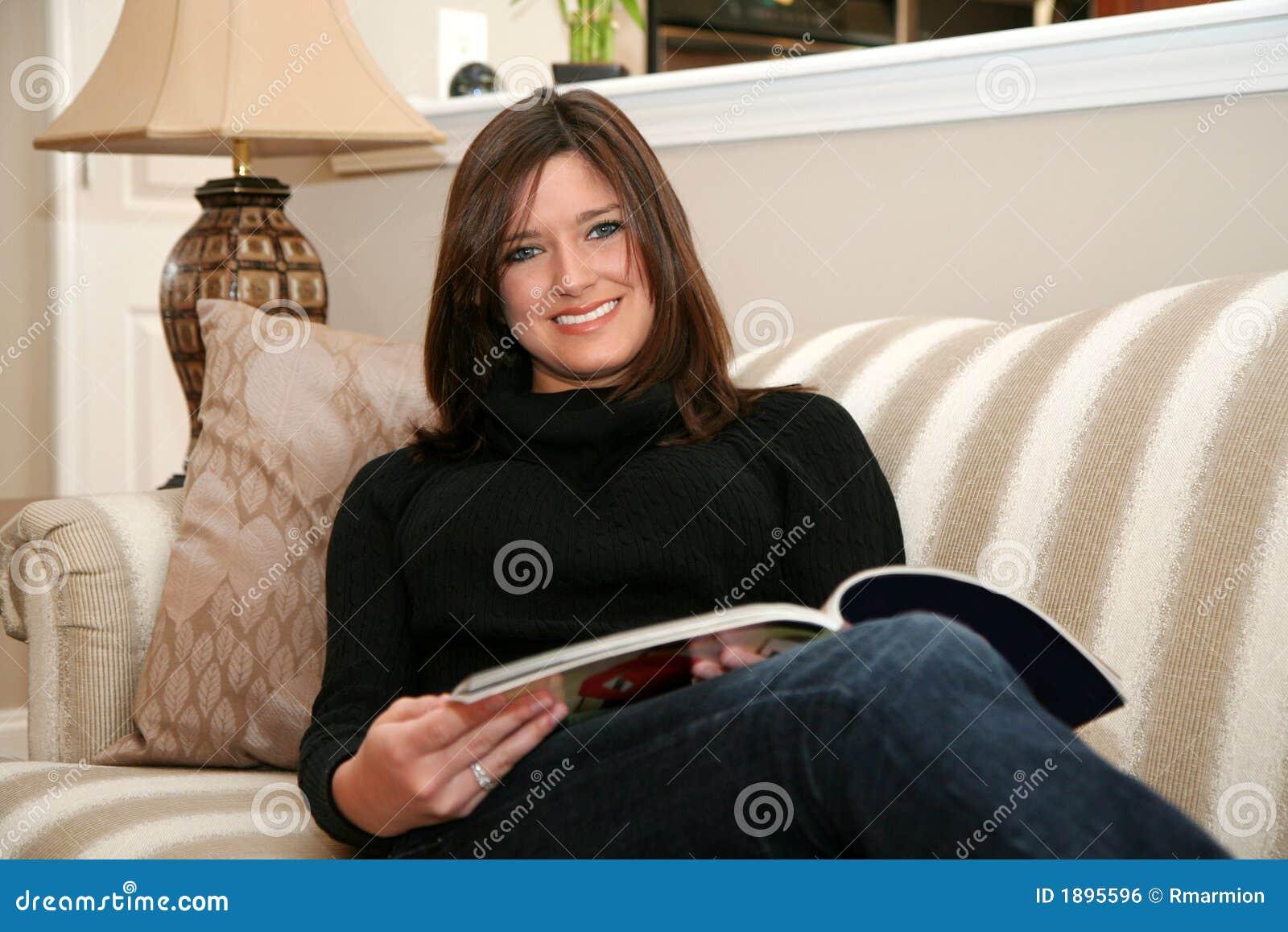 Het lezen van een Tijdschrift