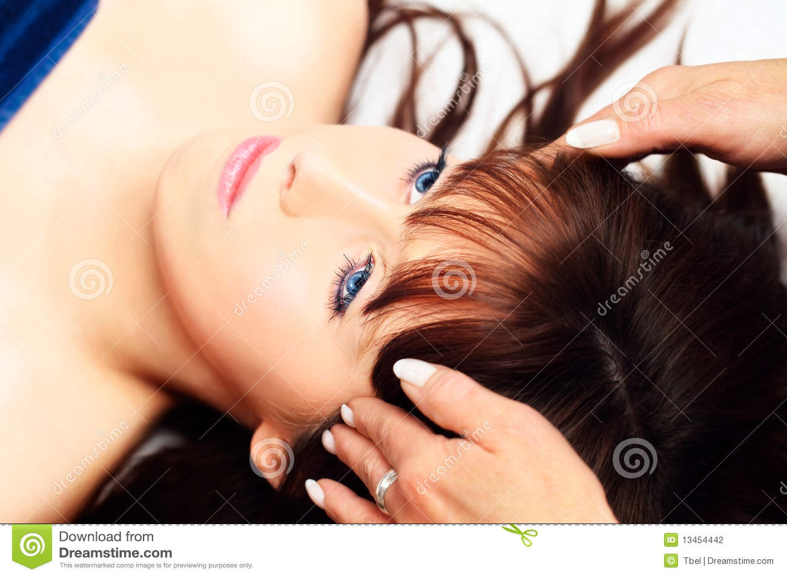 lang haar massage gelaats