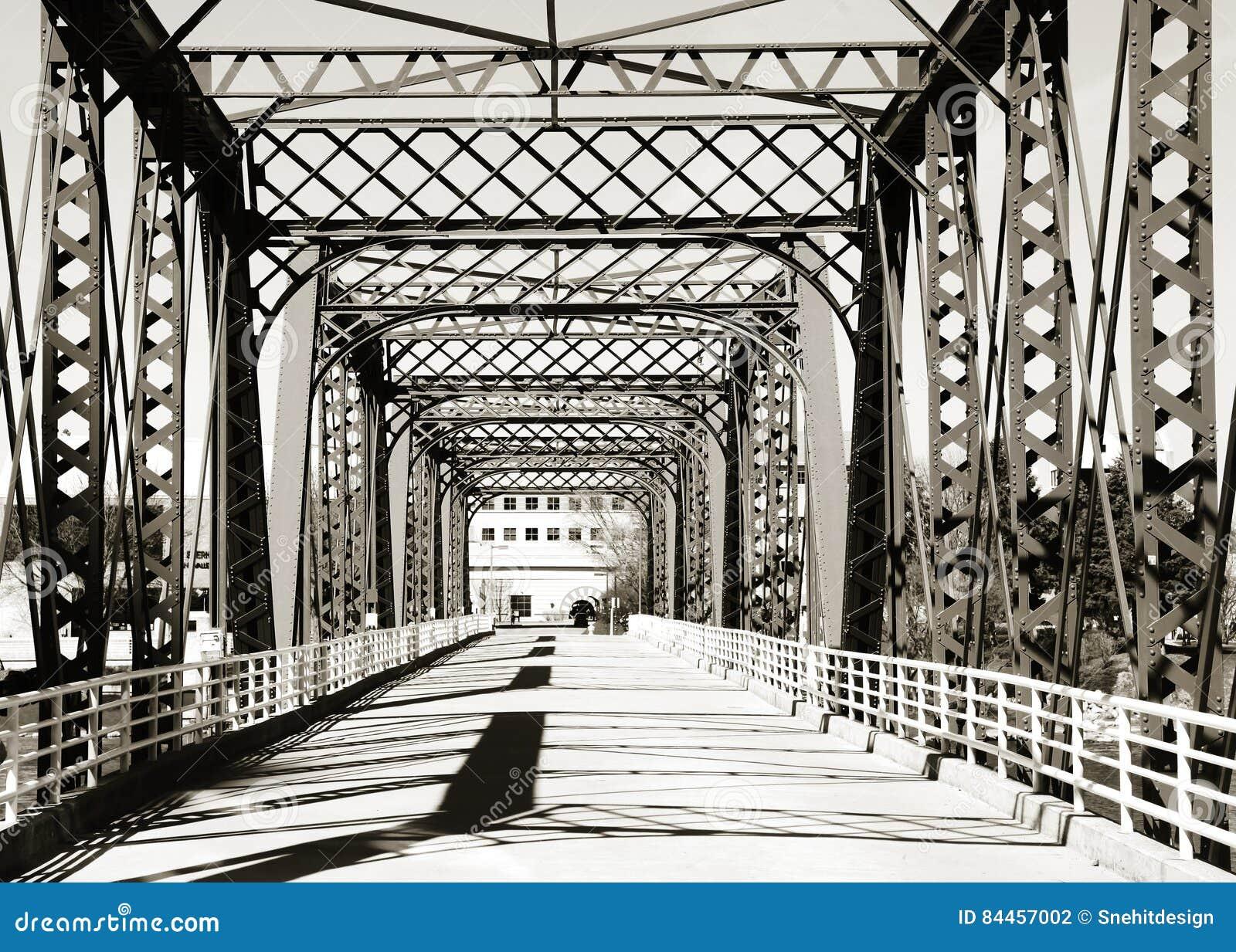 Het lopen van brug in Grand Rapids