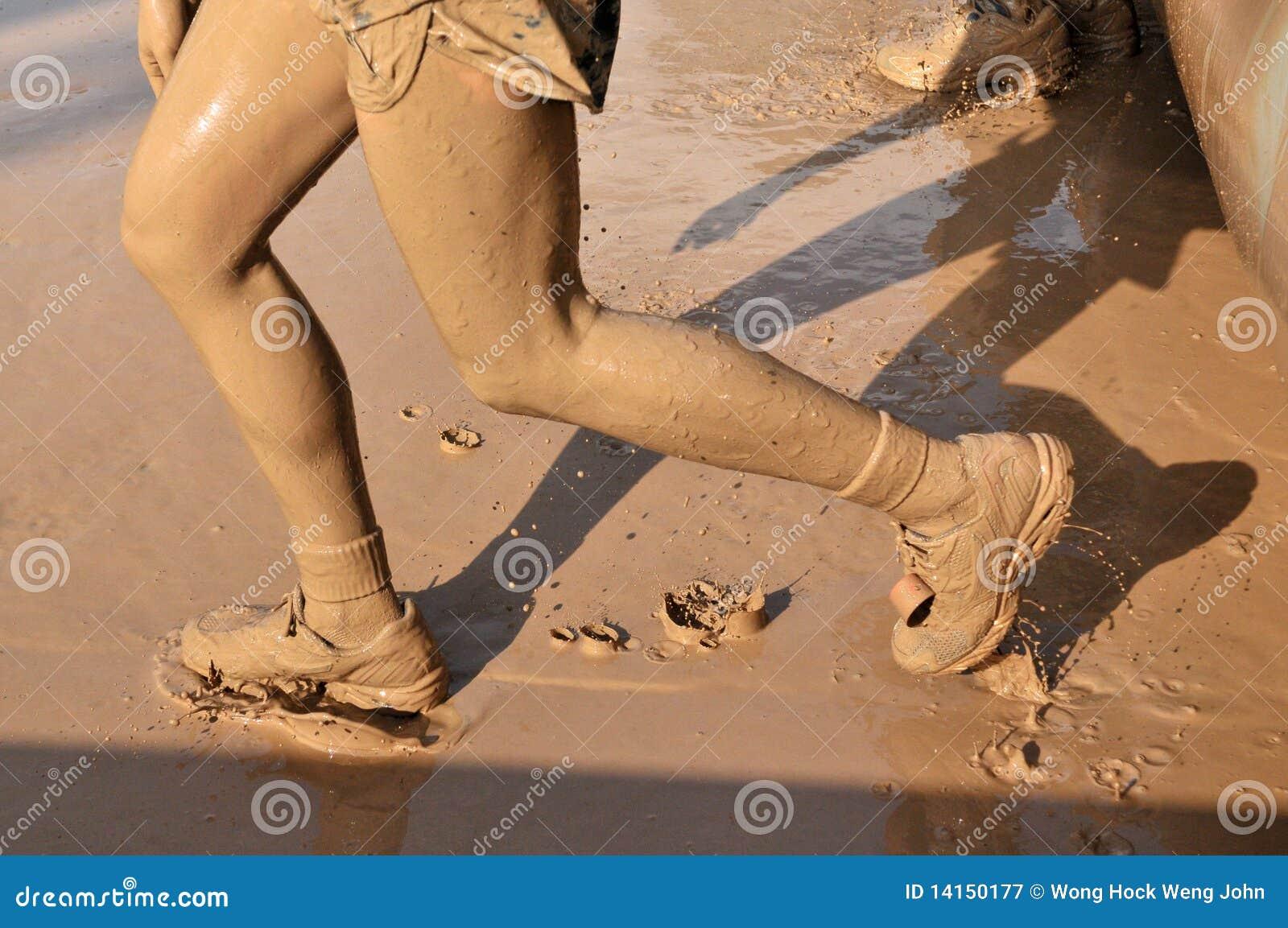 Het lopen van de modder