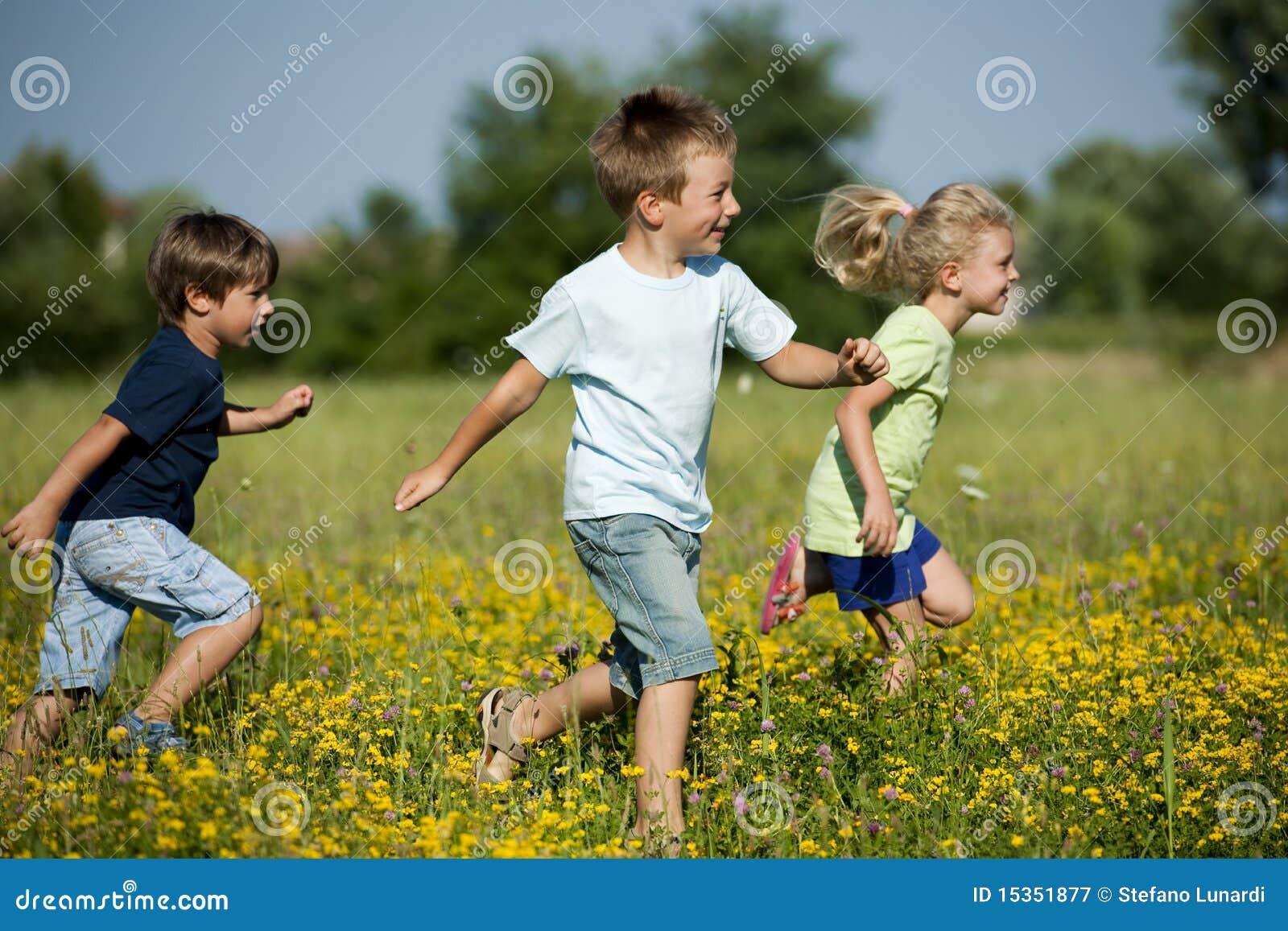 Het lopen van kinderen