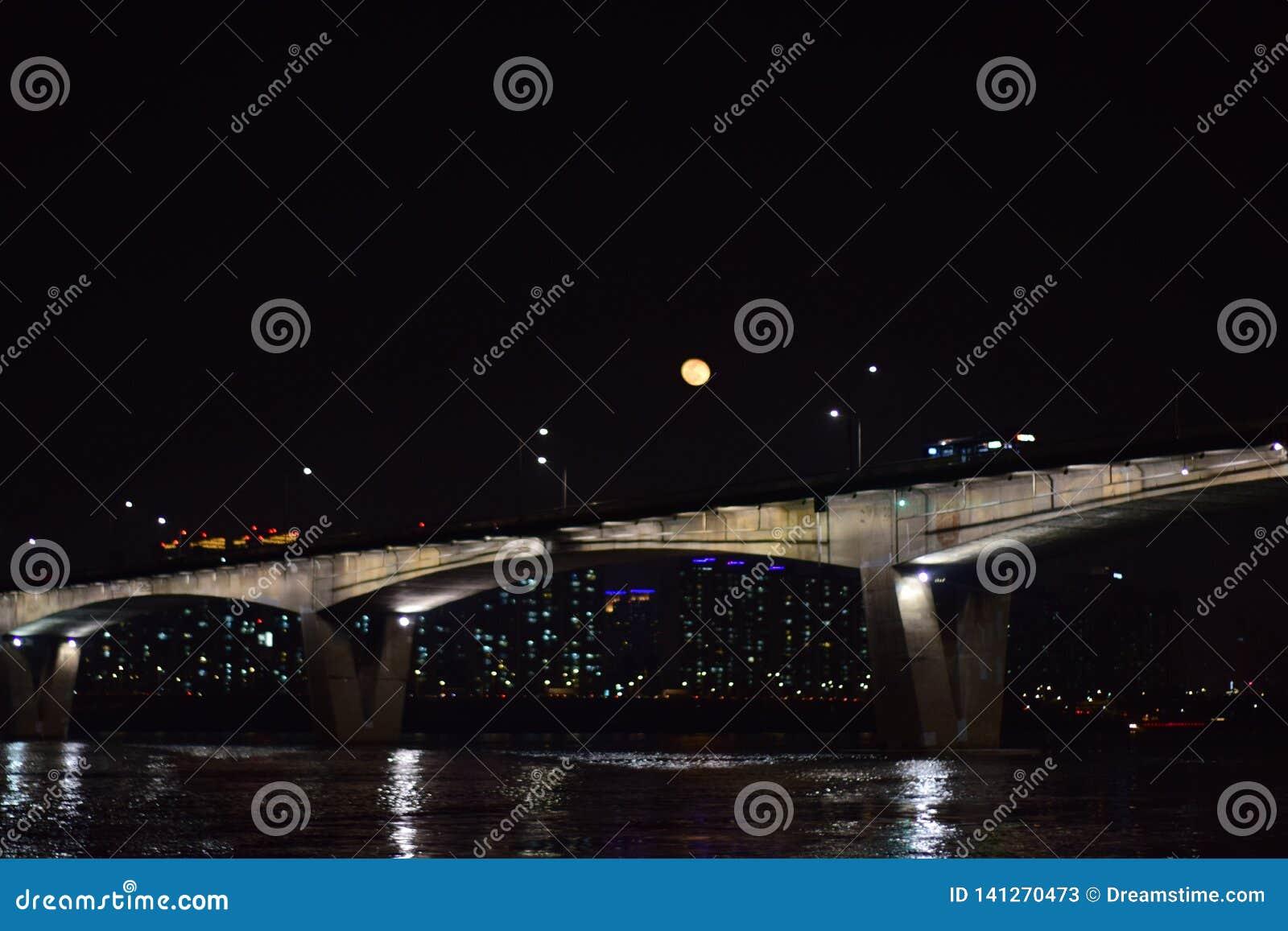 Het maanlicht in Seoel