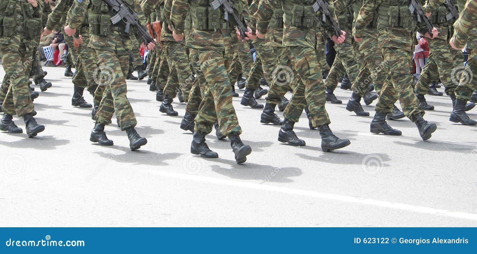 Het Marcheren van militairen