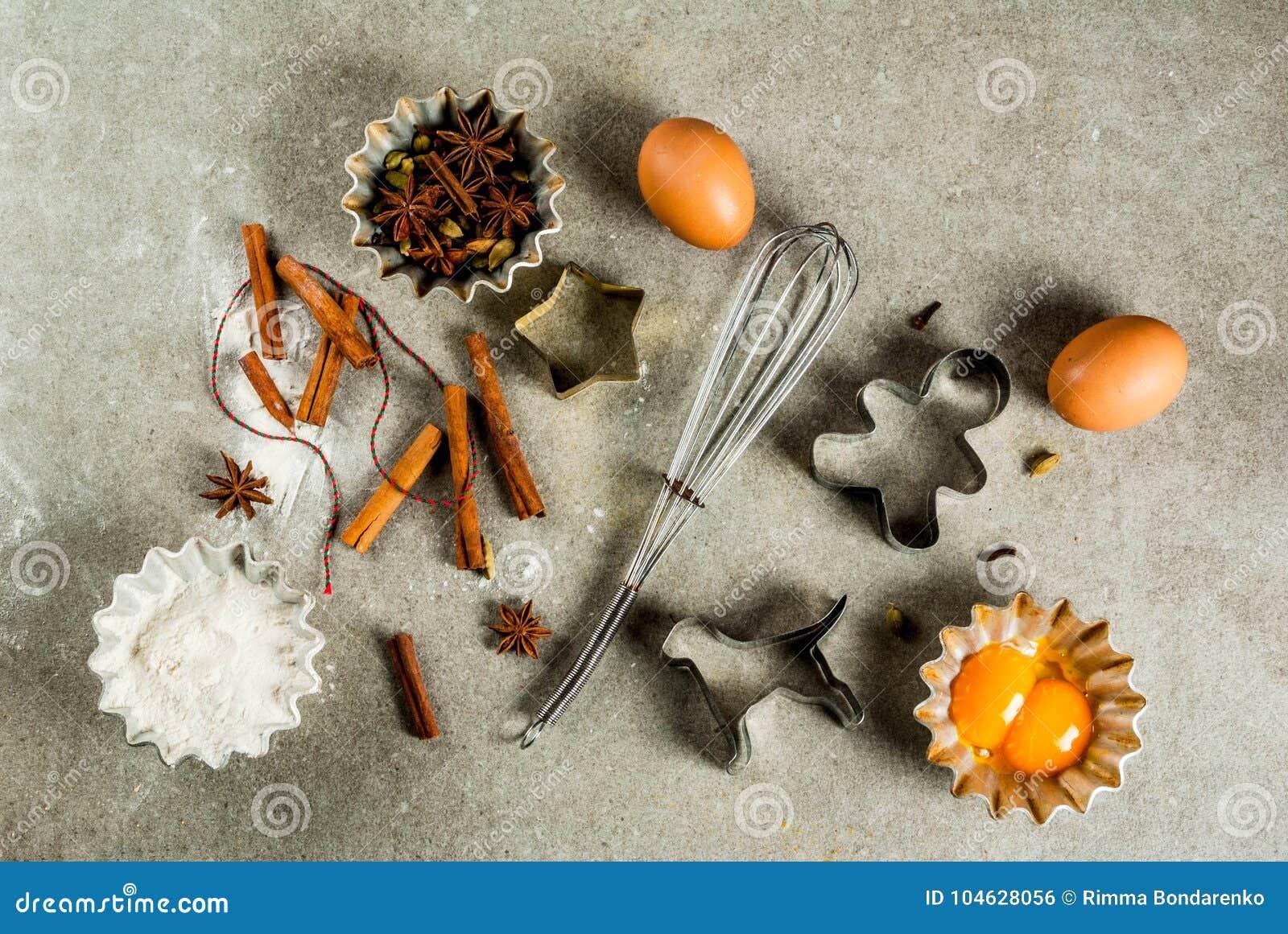 Download Het Materiaal En De Ingrediënten Van Het Kerstmisbaksel Stock Foto - Afbeelding bestaande uit bakker, speld: 104628056