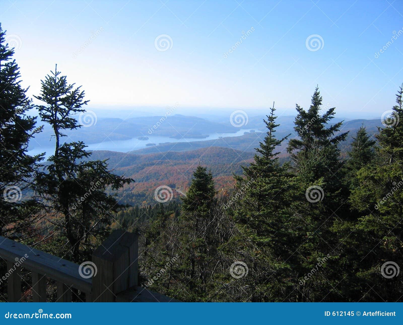 Het meer van de berg