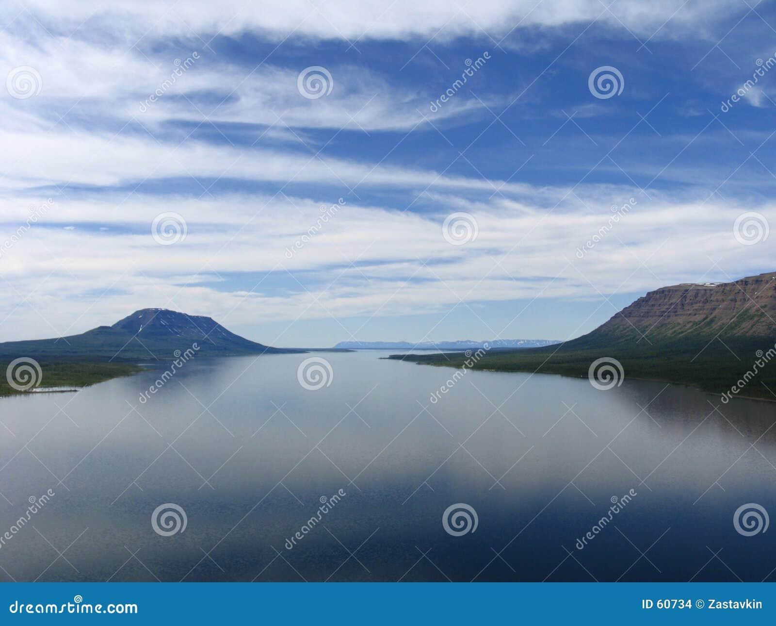 Het meer van Glubokoe
