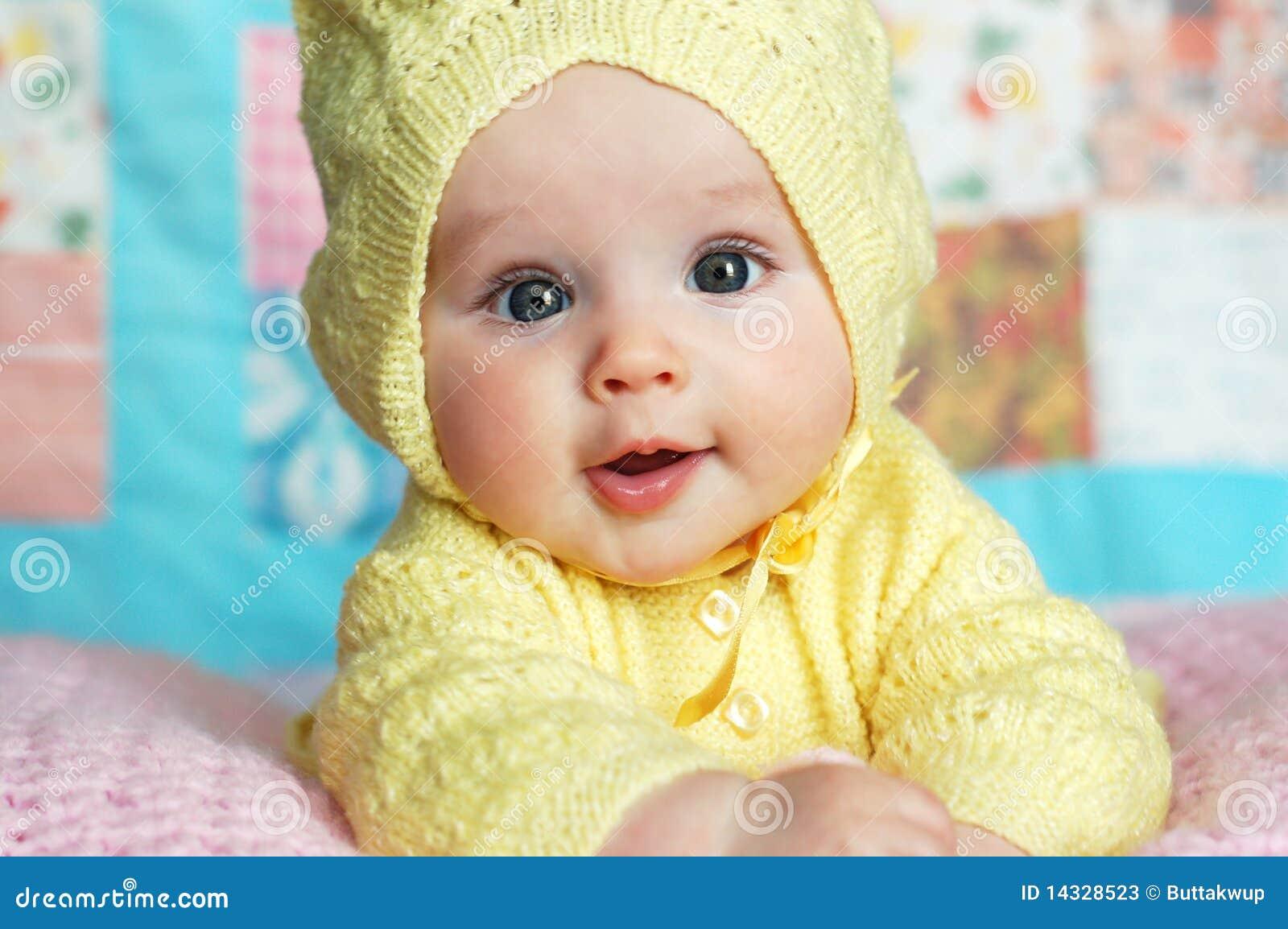 Het Meisje van de baby in Sweater Met een kap
