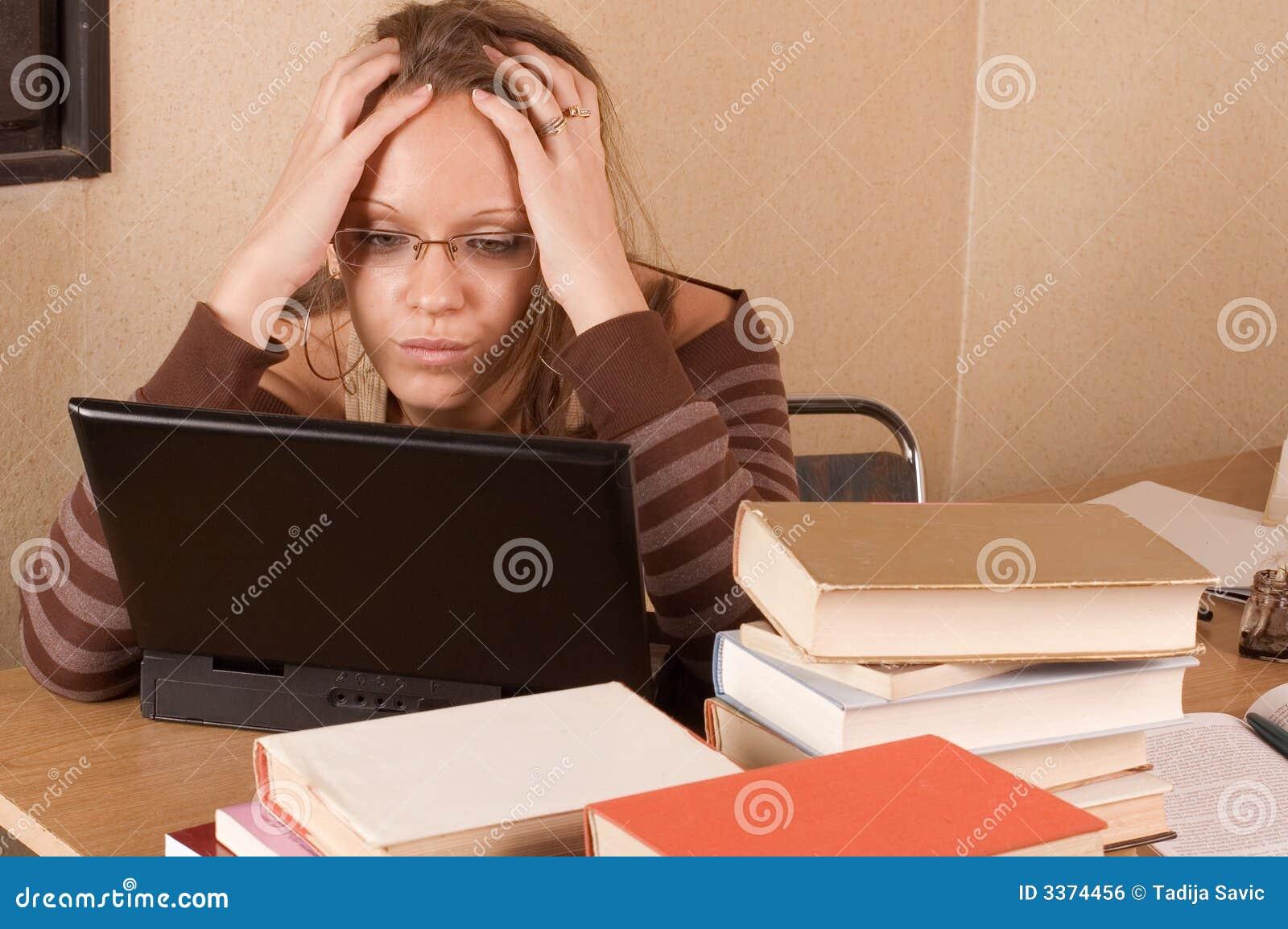 Het meisje van de student stock foto afbeelding bestaande uit aansluting 3374456 - Tiener meubilair ruimte meisje ...