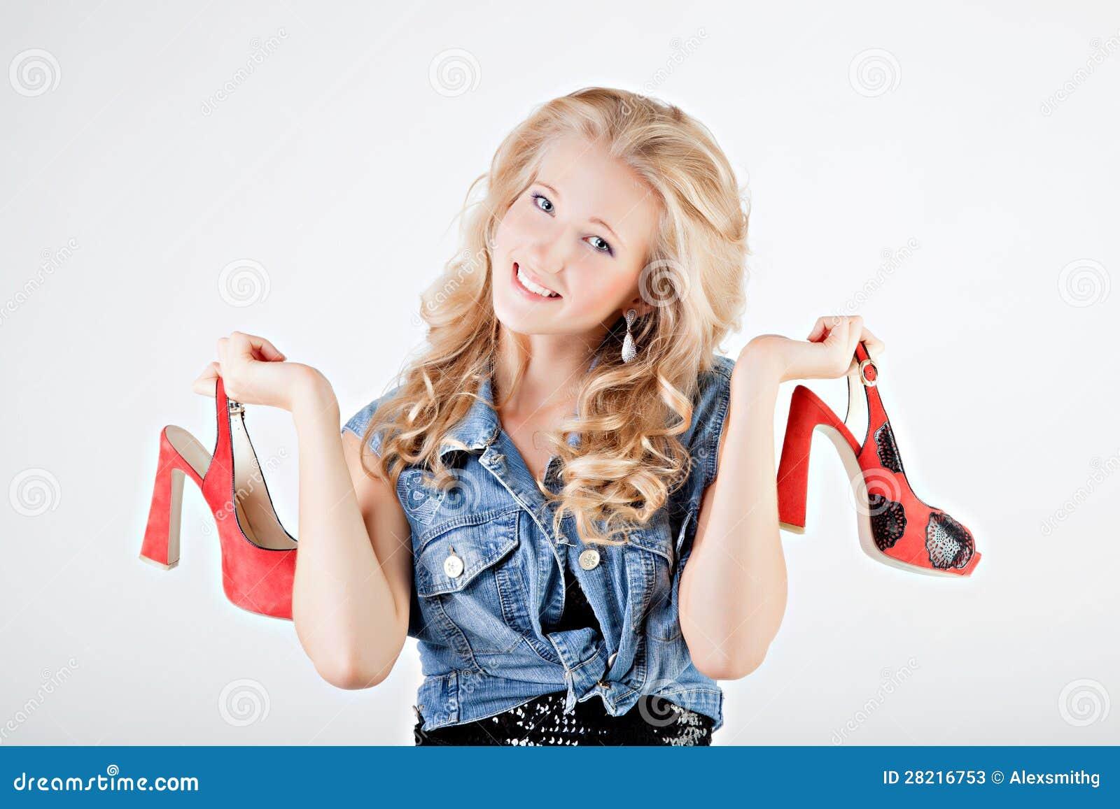 Het meisje van de tiener met schoenen stock afbeelding afbeelding 28216753 - Tiener meisje foto ...