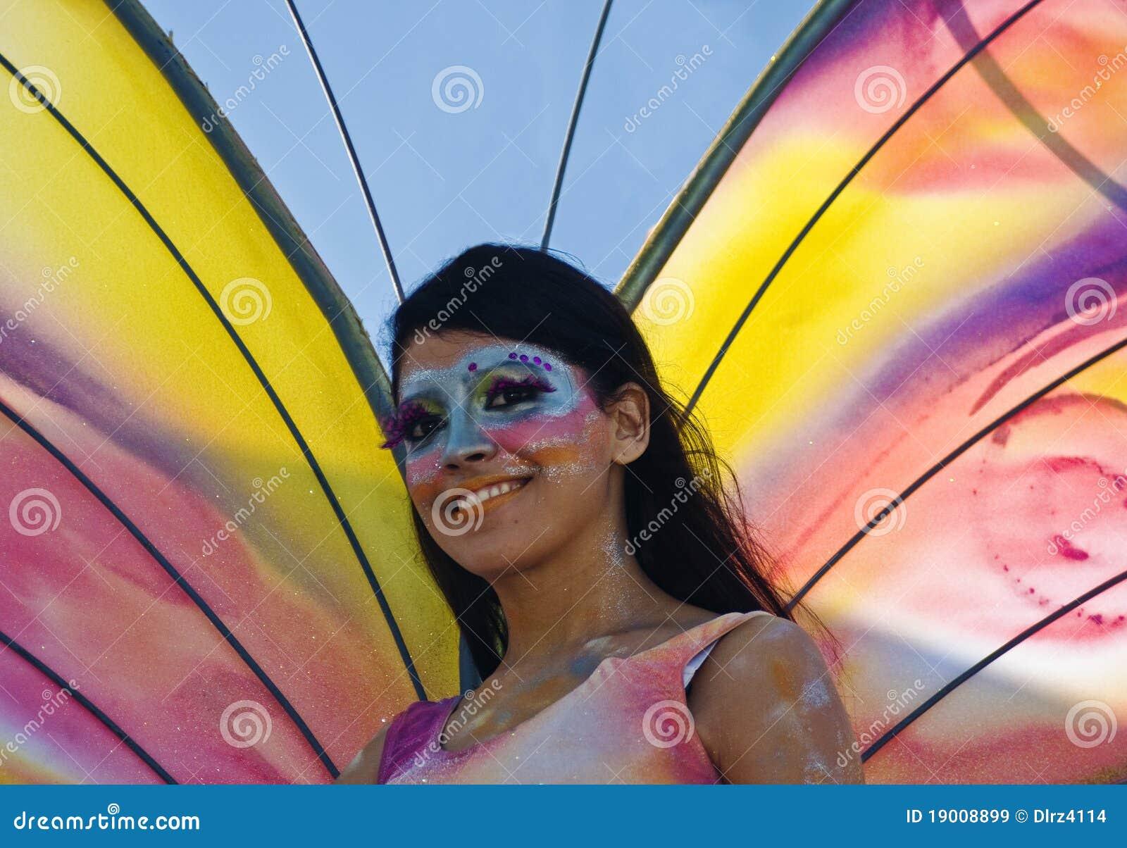 Het meisje van de vlinder van carnaval redactionele stock afbeelding beeld 19008899 - Beeld het meisje van ...