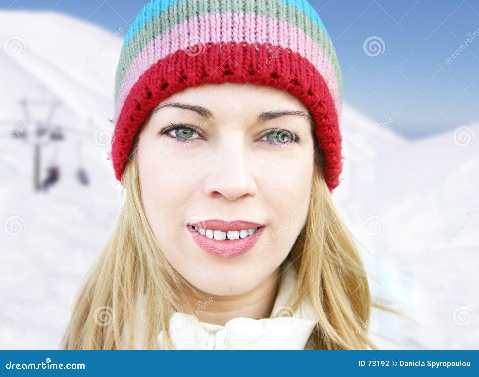 Download Het meisje van de winter stock foto. Afbeelding bestaande uit winter - 73192
