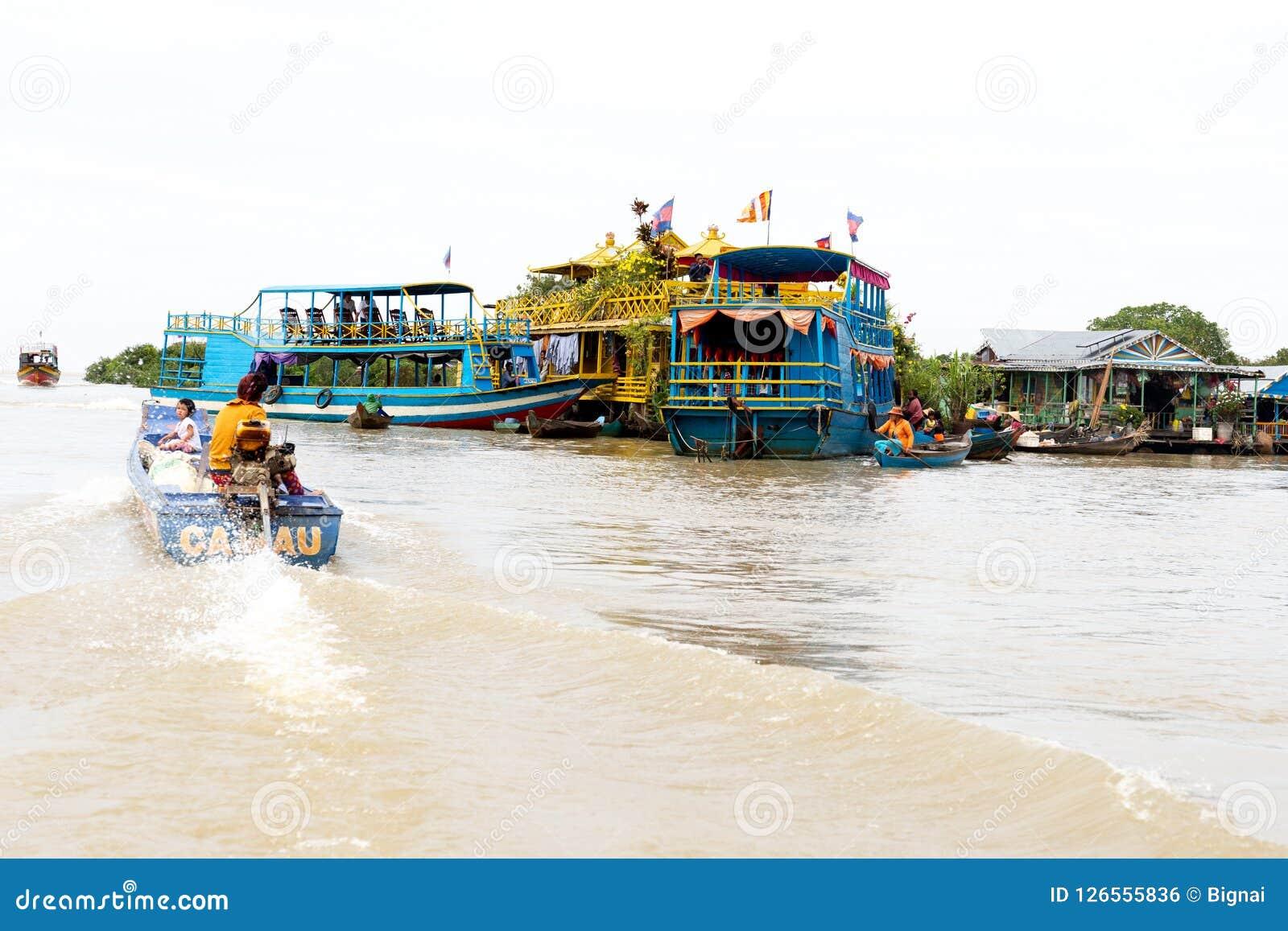 Het mensenleven bij Drijvend dorp op Tonle-Sapmeer Siem oogst Kambodja