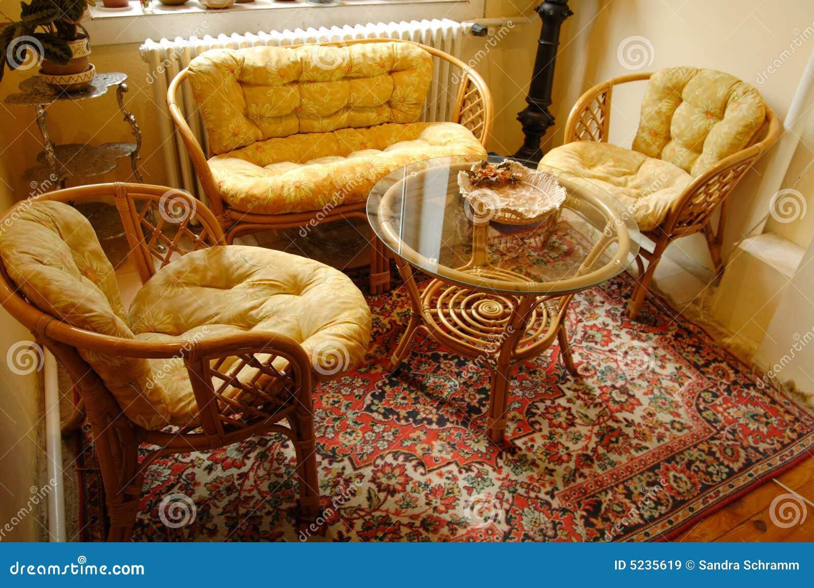 Het meubilair van het bamboe royalty vrije stock - Muebles de bambu ...