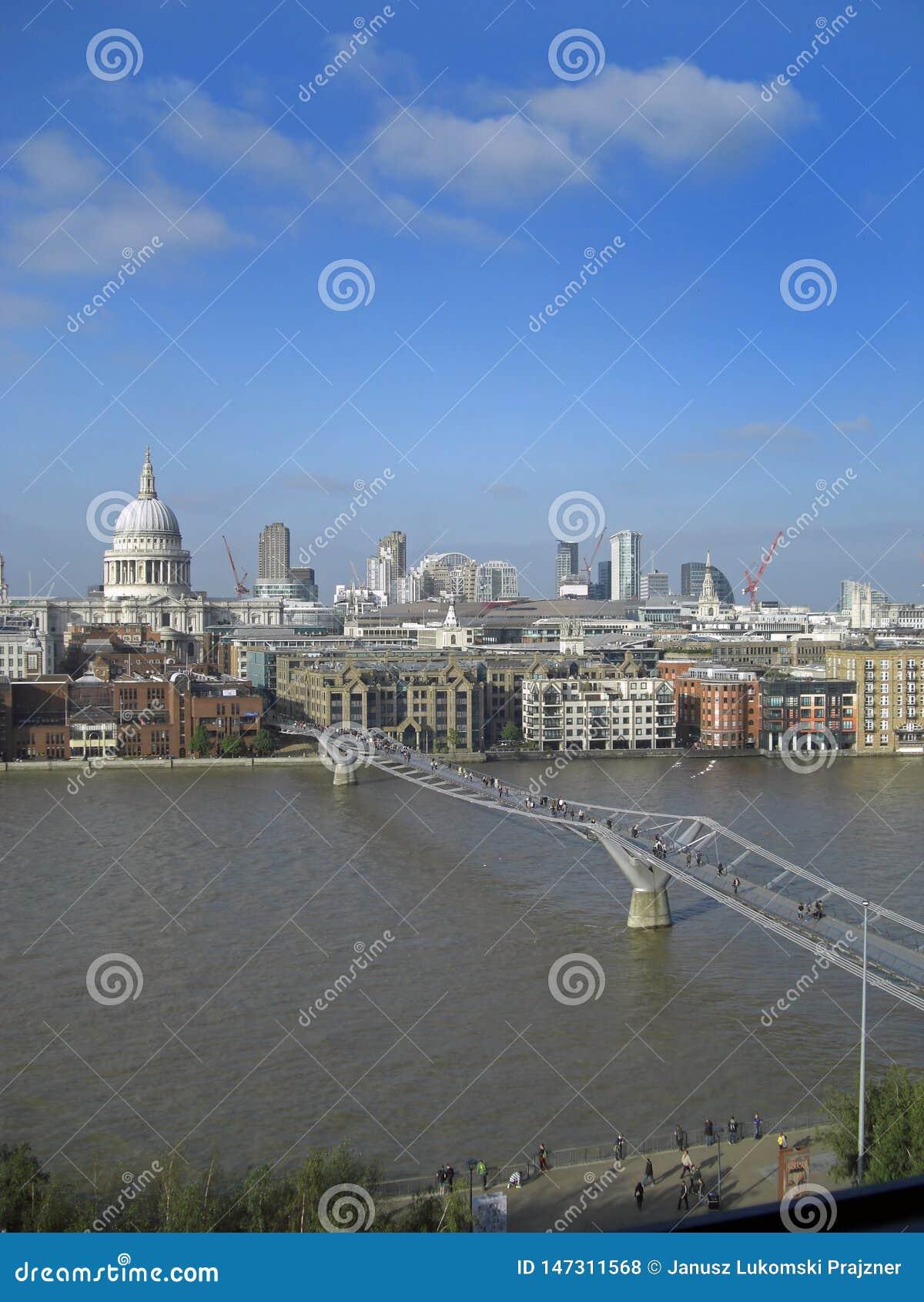 Het Millenniumbrug van Londen