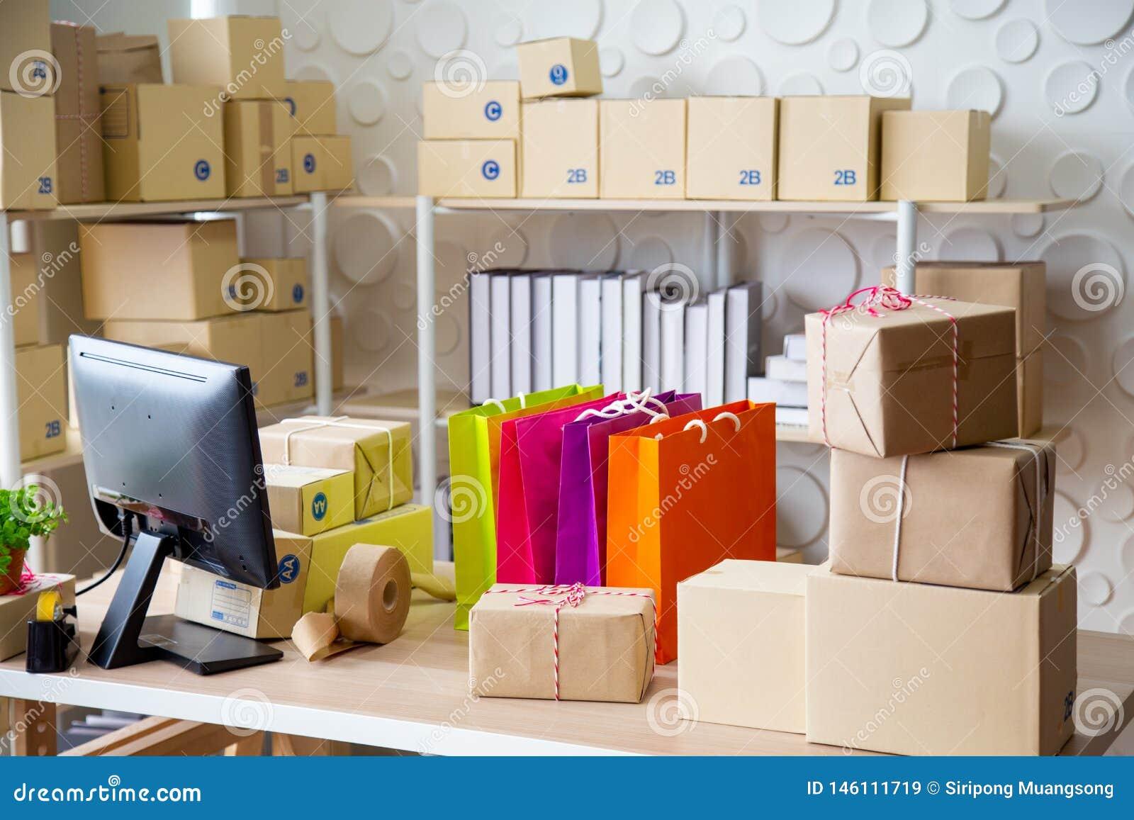 Het MKB, Opslag voor bereidt product voor naar klant wordt verzonden die