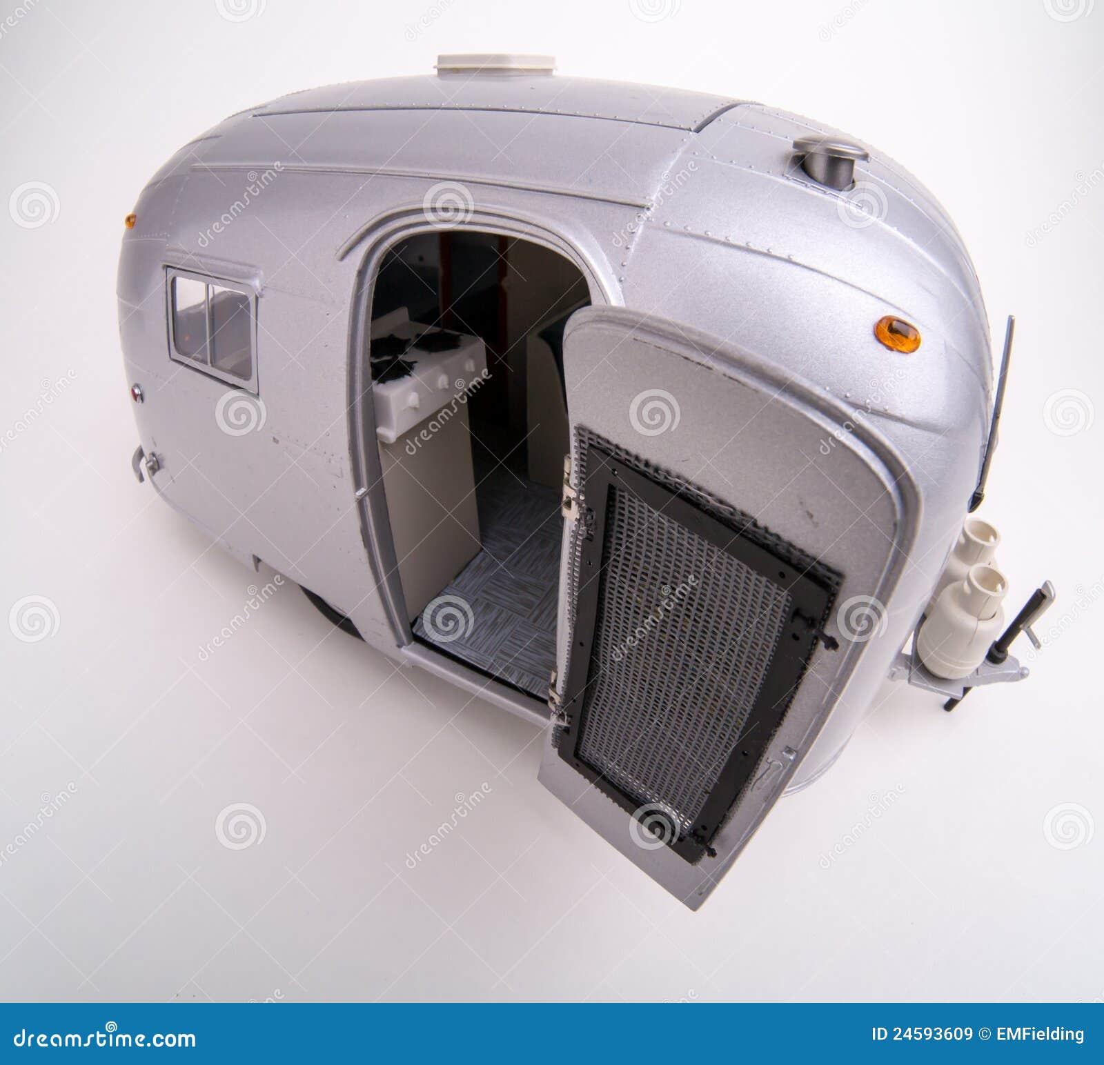 Het model van de schaal van de kampeerauto van de luchtstroom rv redactionele stock afbeelding - Bed met schaal ...