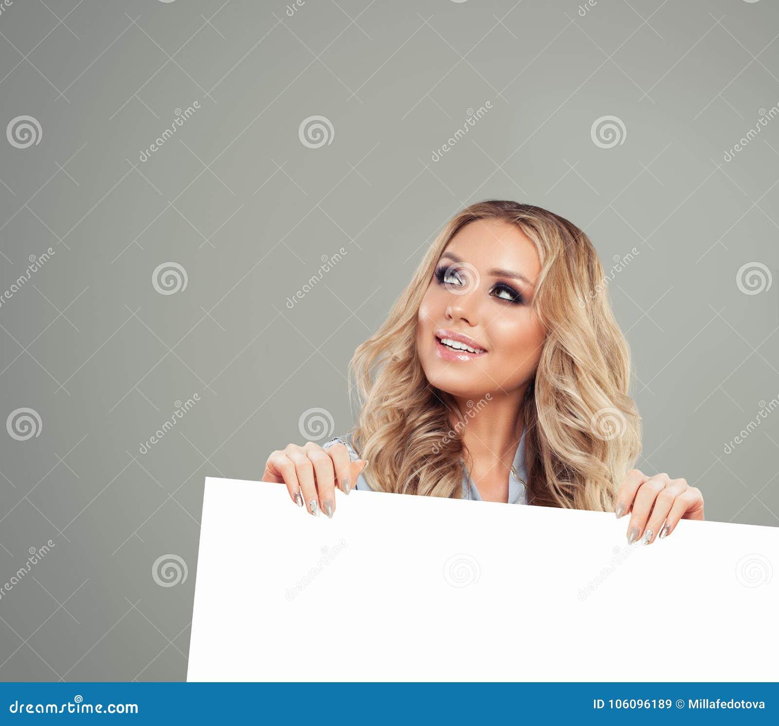 Het model Witboek van Woman Looking Up en van de Holding