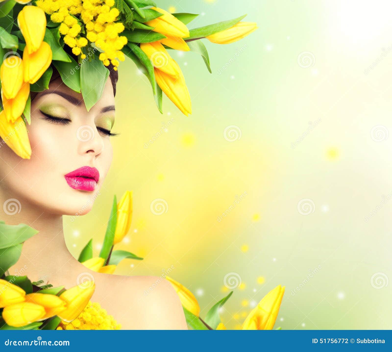 Het modelmeisje van de schoonheidslente met de stijl van het bloemenhaar