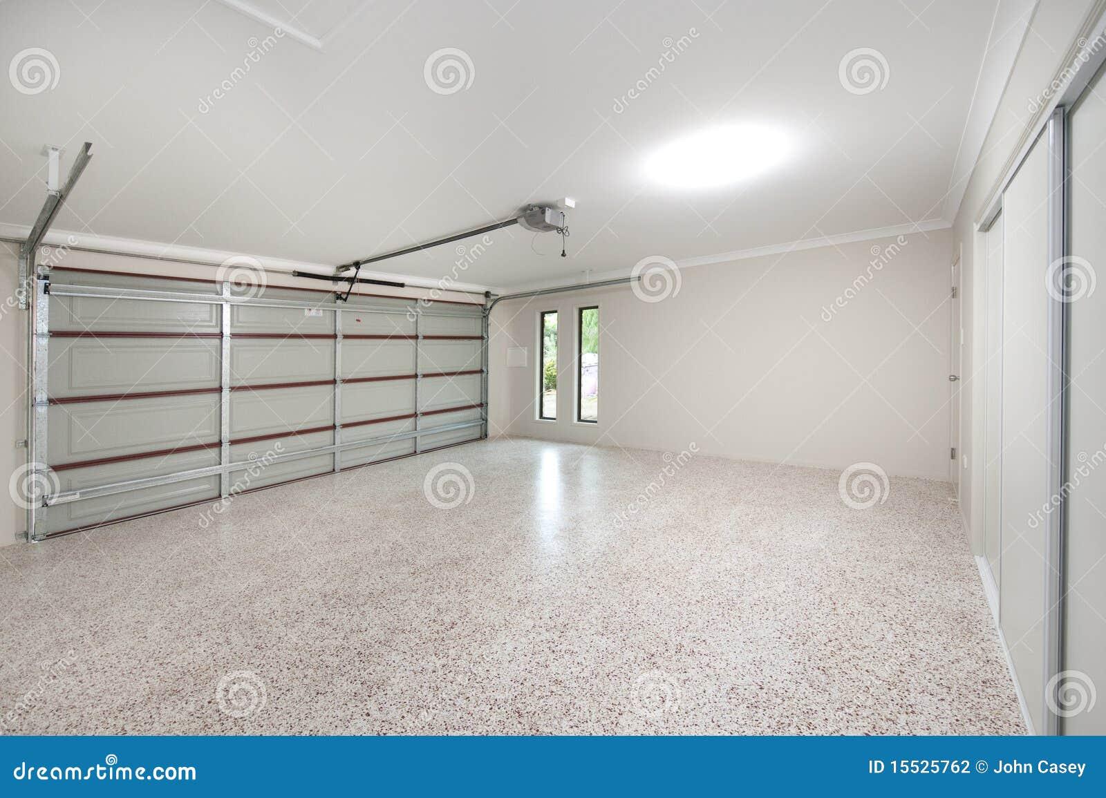 het moderne binnenland van de garage stock fotografie afbeelding 15525762. Black Bedroom Furniture Sets. Home Design Ideas