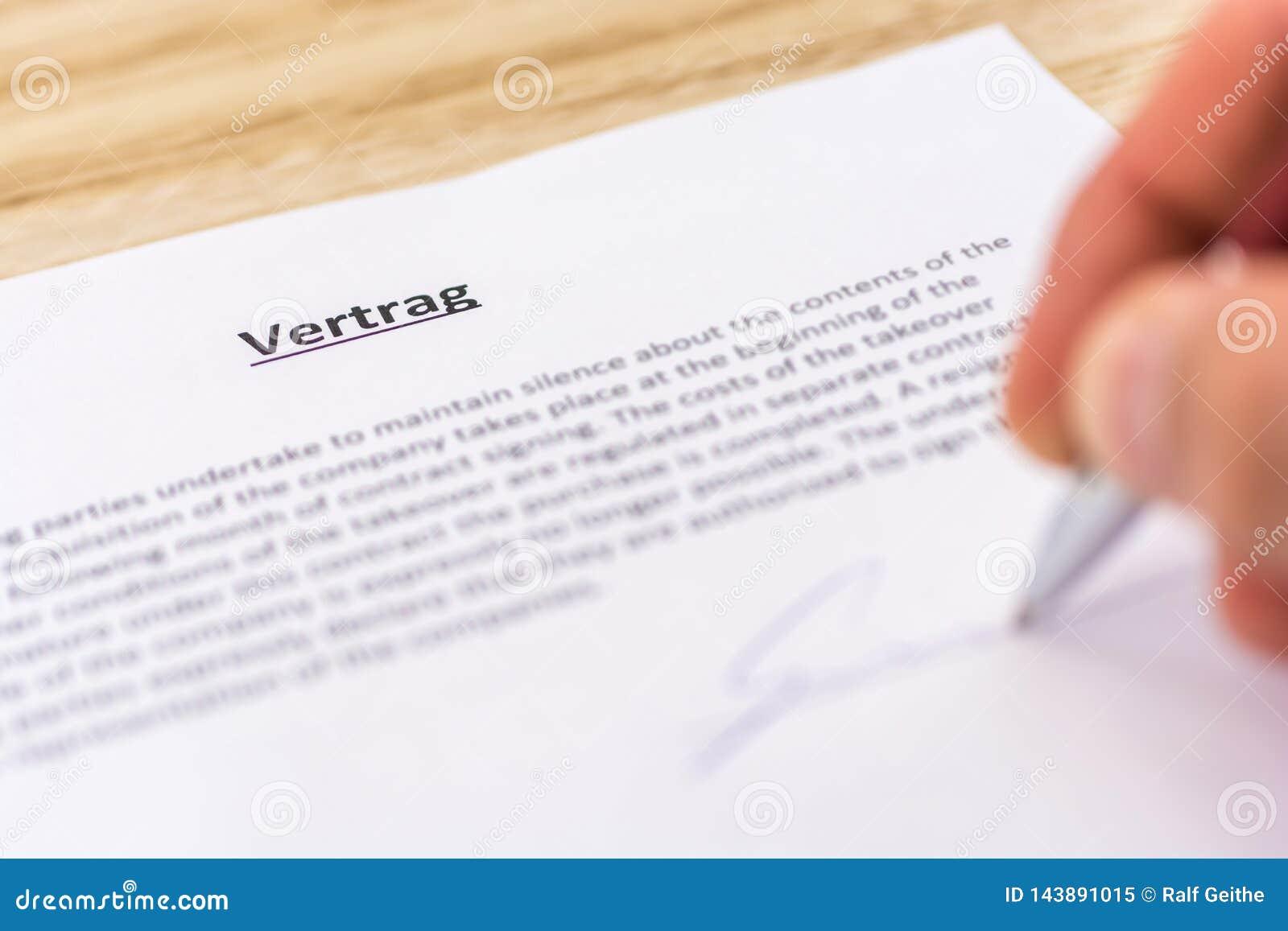 Het ondertekenen van een contract met het Duitse woord voor contract in de titel