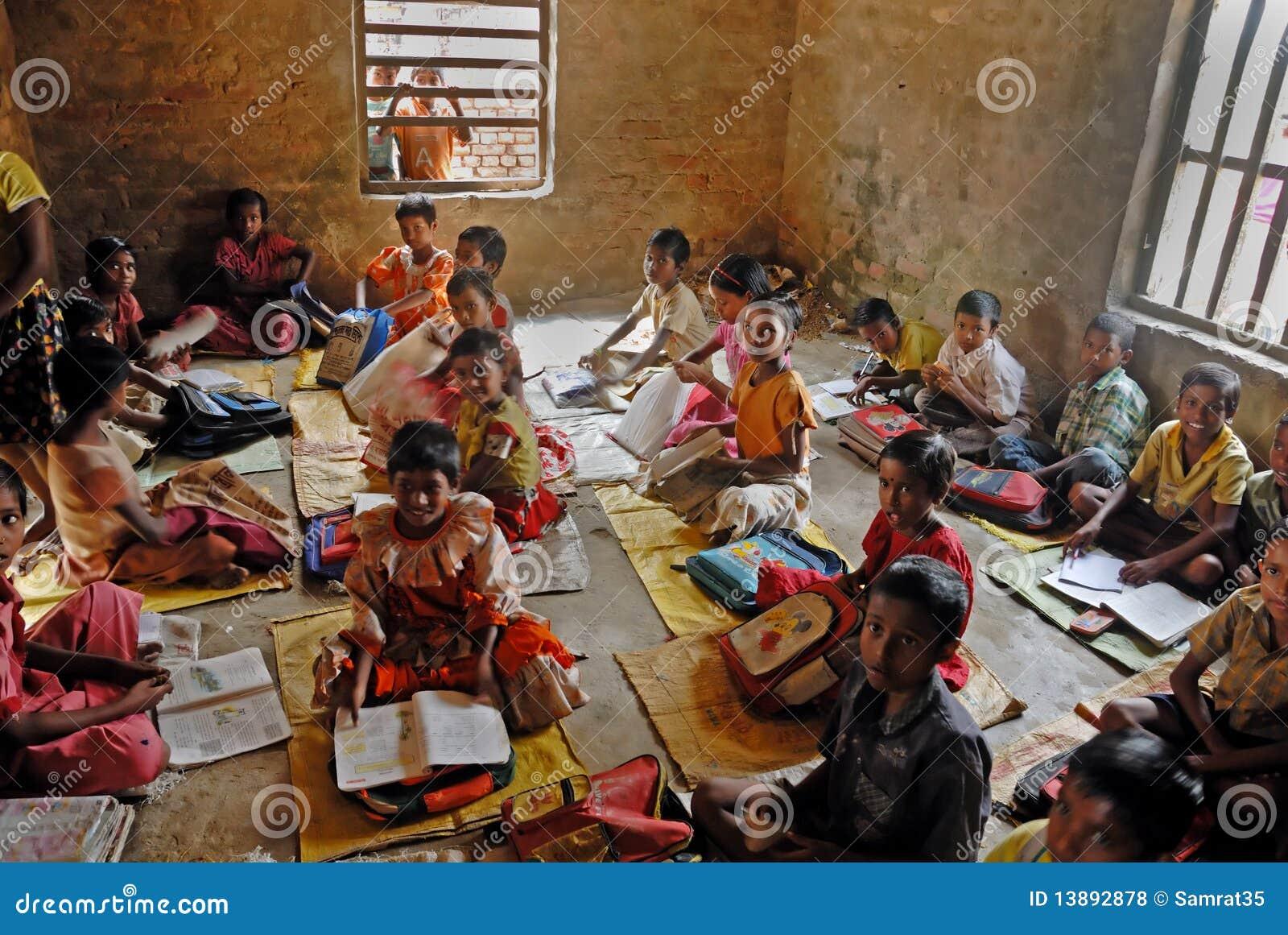 Het onderwijs van het dorp in India