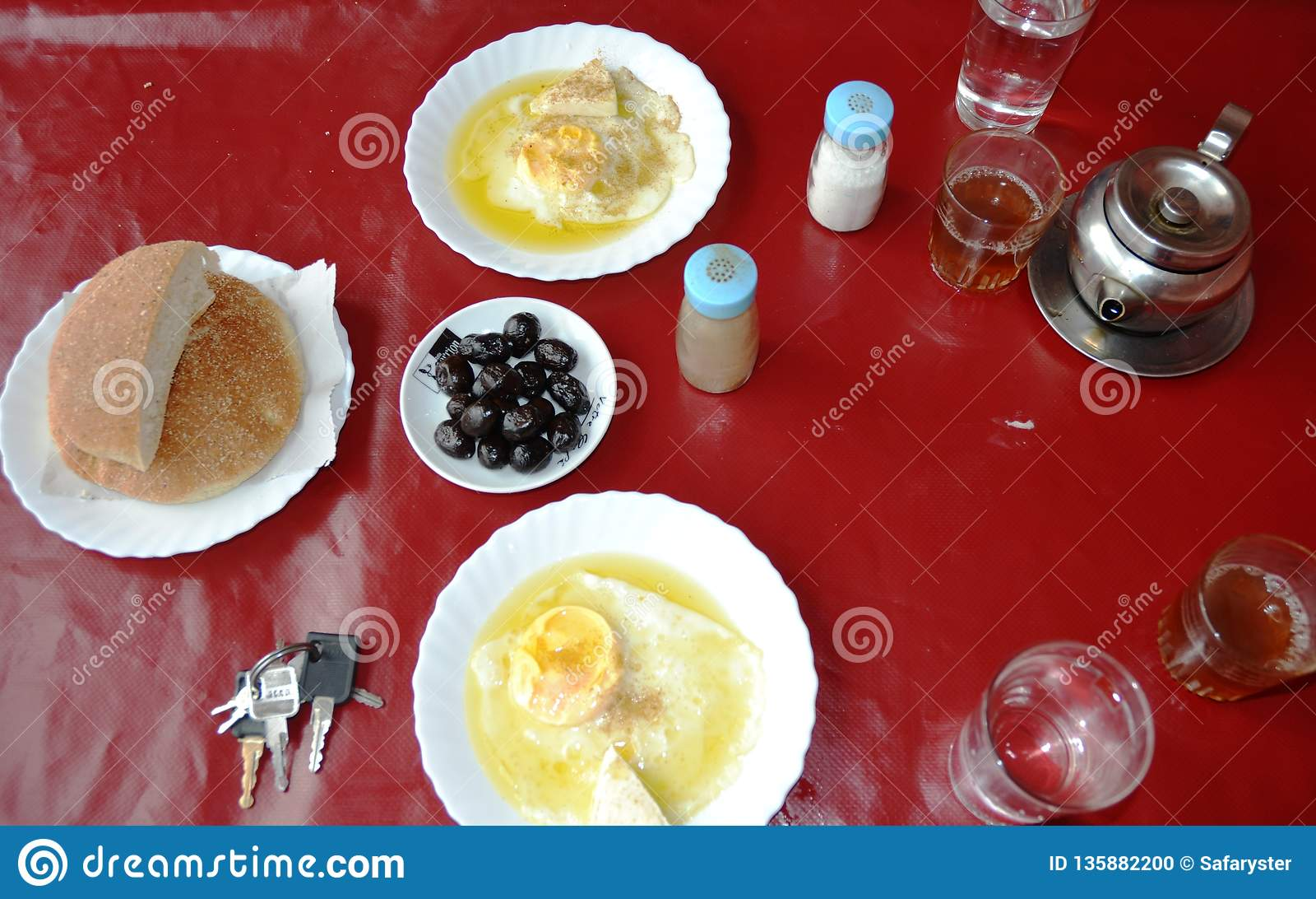 Het ontbijt houdt onbeweeglijk op