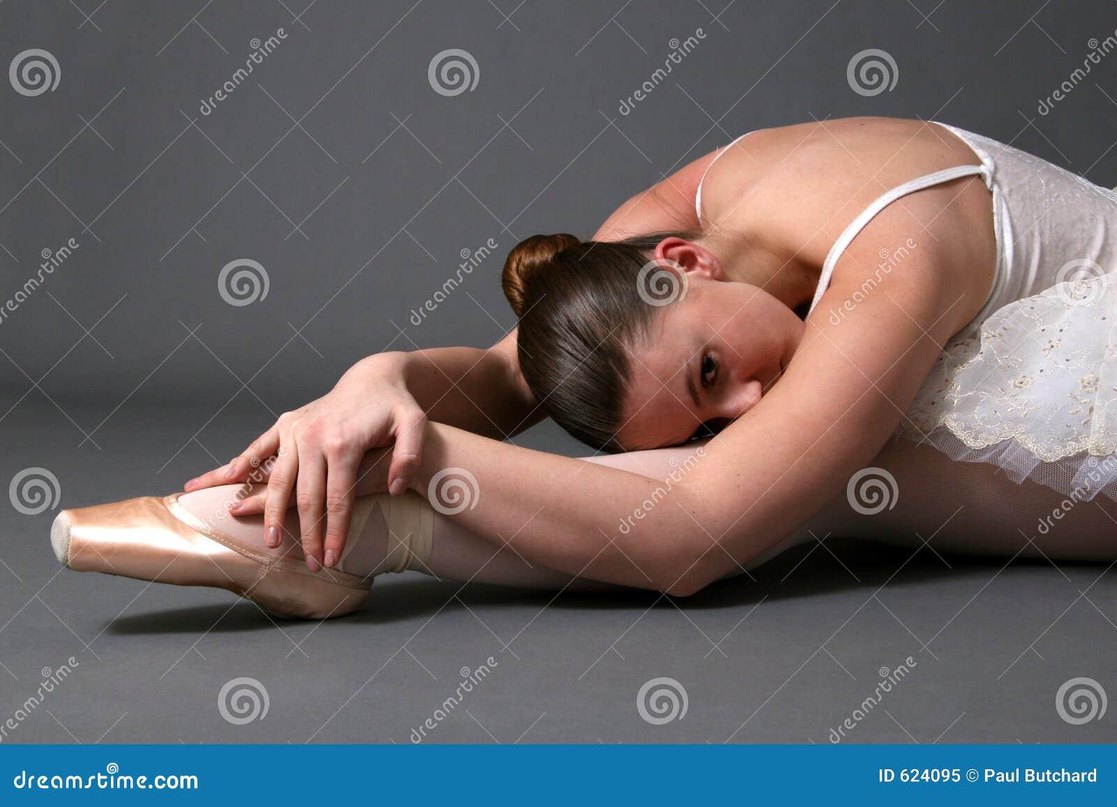 Het Ontspannen van de ballerina op Vloer #2